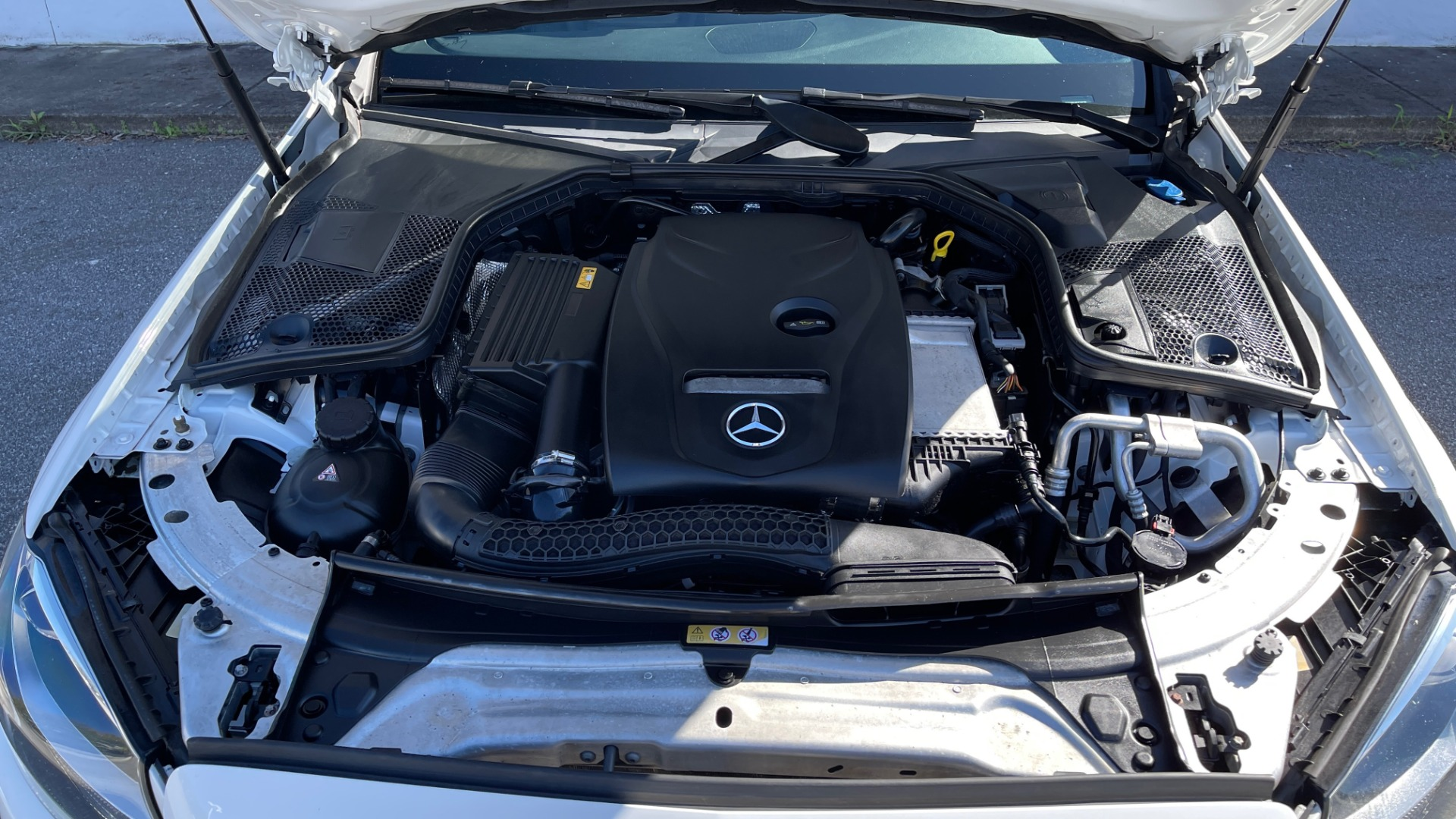 Used 2018 Mercedes-Benz C-CLASS C 300 4MATIC PREMIUM / SMARTPHONE INTEG / PANO-ROOF / REARVIEW for sale $30,995 at Formula Imports in Charlotte NC 28227 11