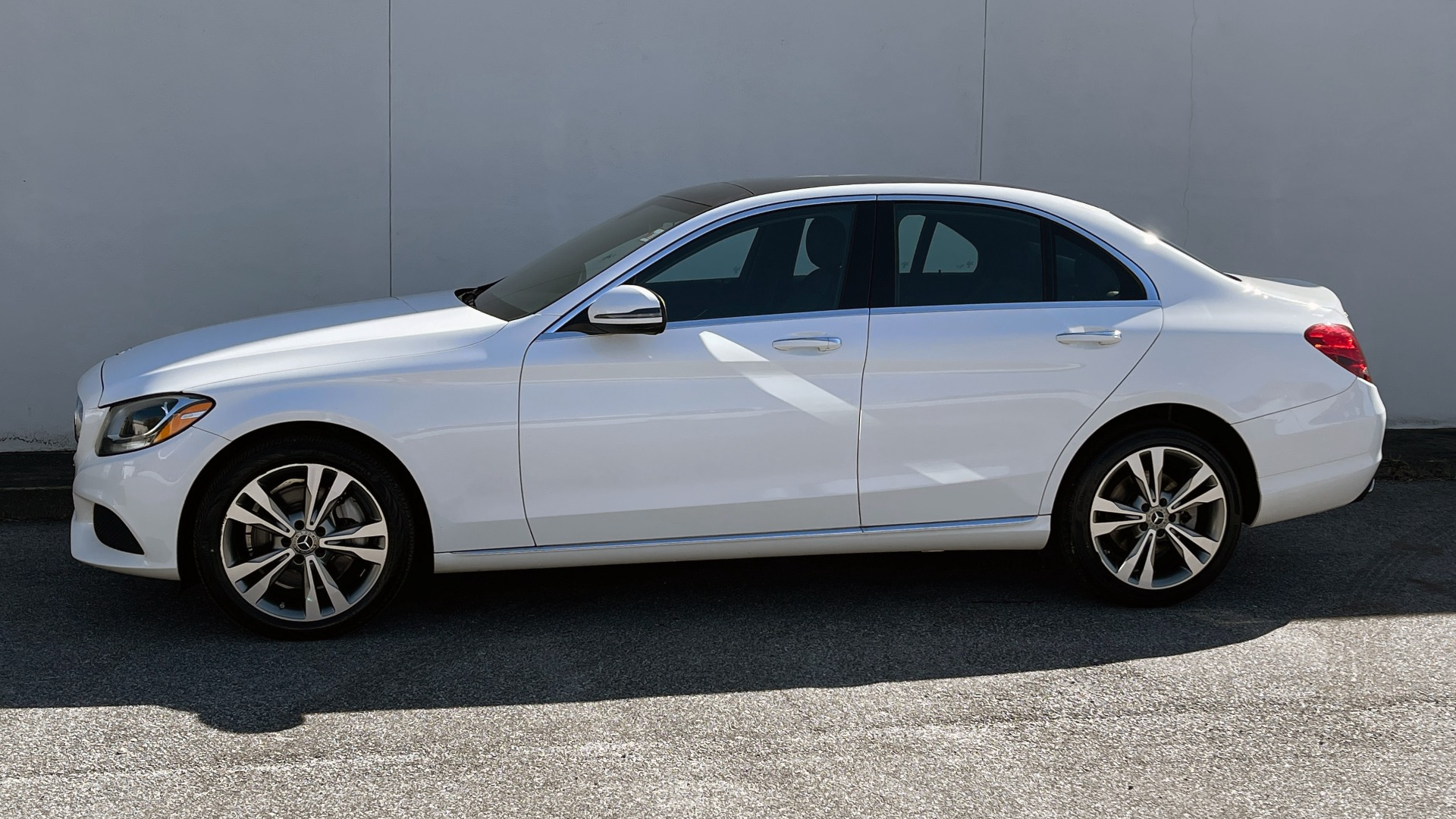 Used 2018 Mercedes-Benz C-CLASS C 300 4MATIC PREMIUM / SMARTPHONE INTEG / PANO-ROOF / REARVIEW for sale $30,995 at Formula Imports in Charlotte NC 28227 3