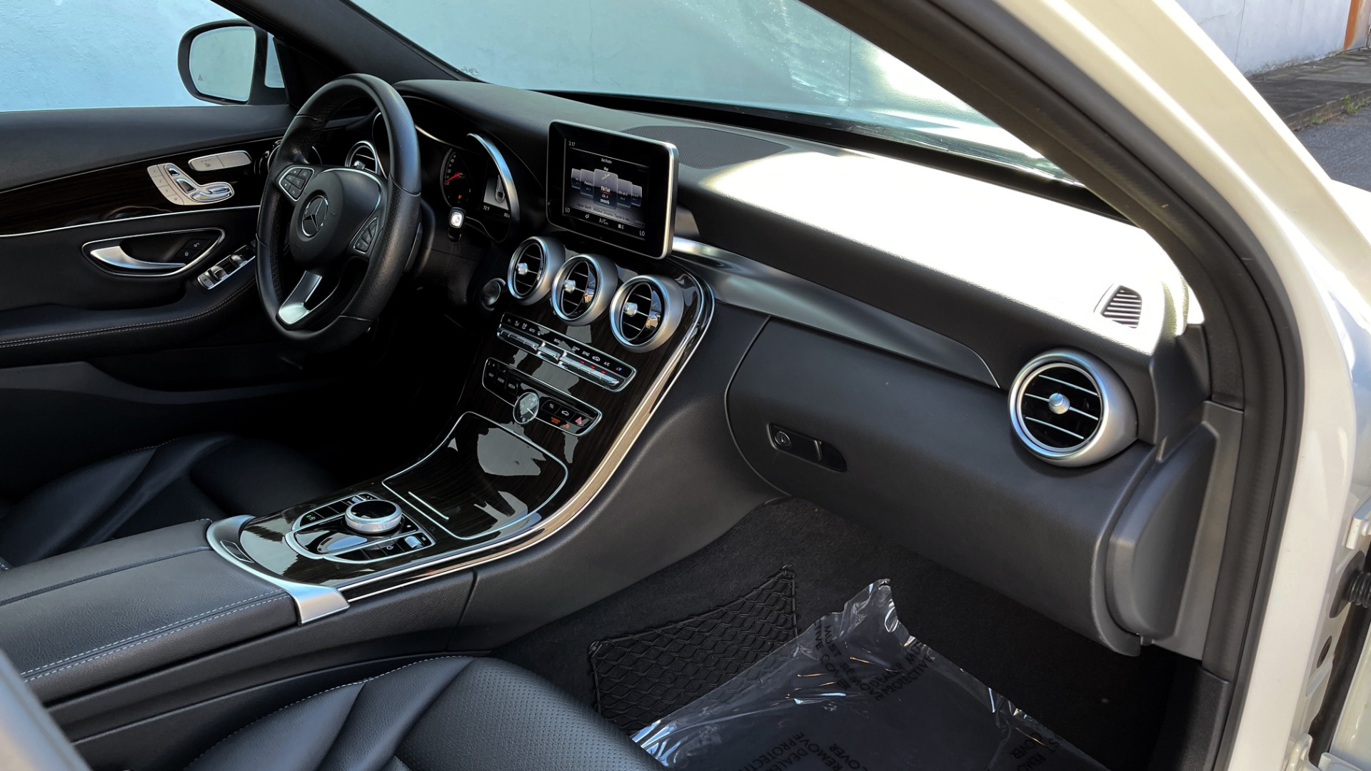 Used 2018 Mercedes-Benz C-CLASS C 300 4MATIC PREMIUM / SMARTPHONE INTEG / PANO-ROOF / REARVIEW for sale $30,995 at Formula Imports in Charlotte NC 28227 56