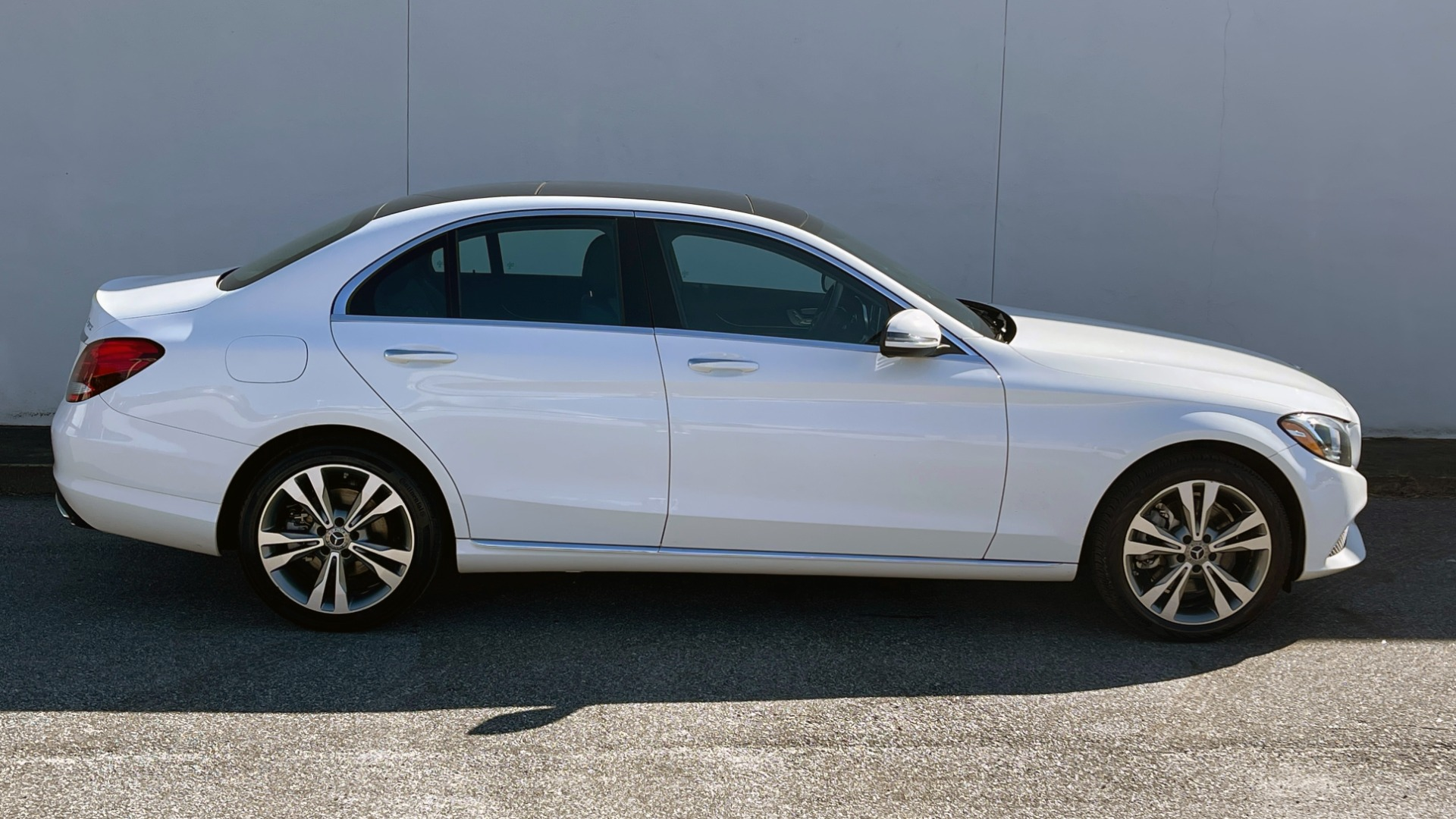 Used 2018 Mercedes-Benz C-CLASS C 300 4MATIC PREMIUM / SMARTPHONE INTEG / PANO-ROOF / REARVIEW for sale $30,995 at Formula Imports in Charlotte NC 28227 6