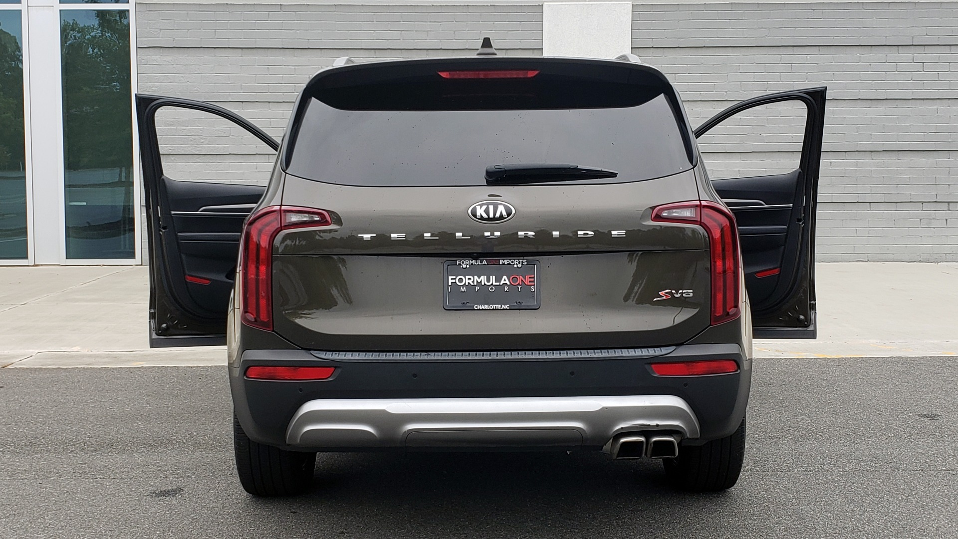 Used 2020 Kia TELLURIDE S 3.8L / FWD / 8-SPD AUTO / SUNROOF / REARVIEW / 20INCH WHEELS for sale $41,595 at Formula Imports in Charlotte NC 28227 30