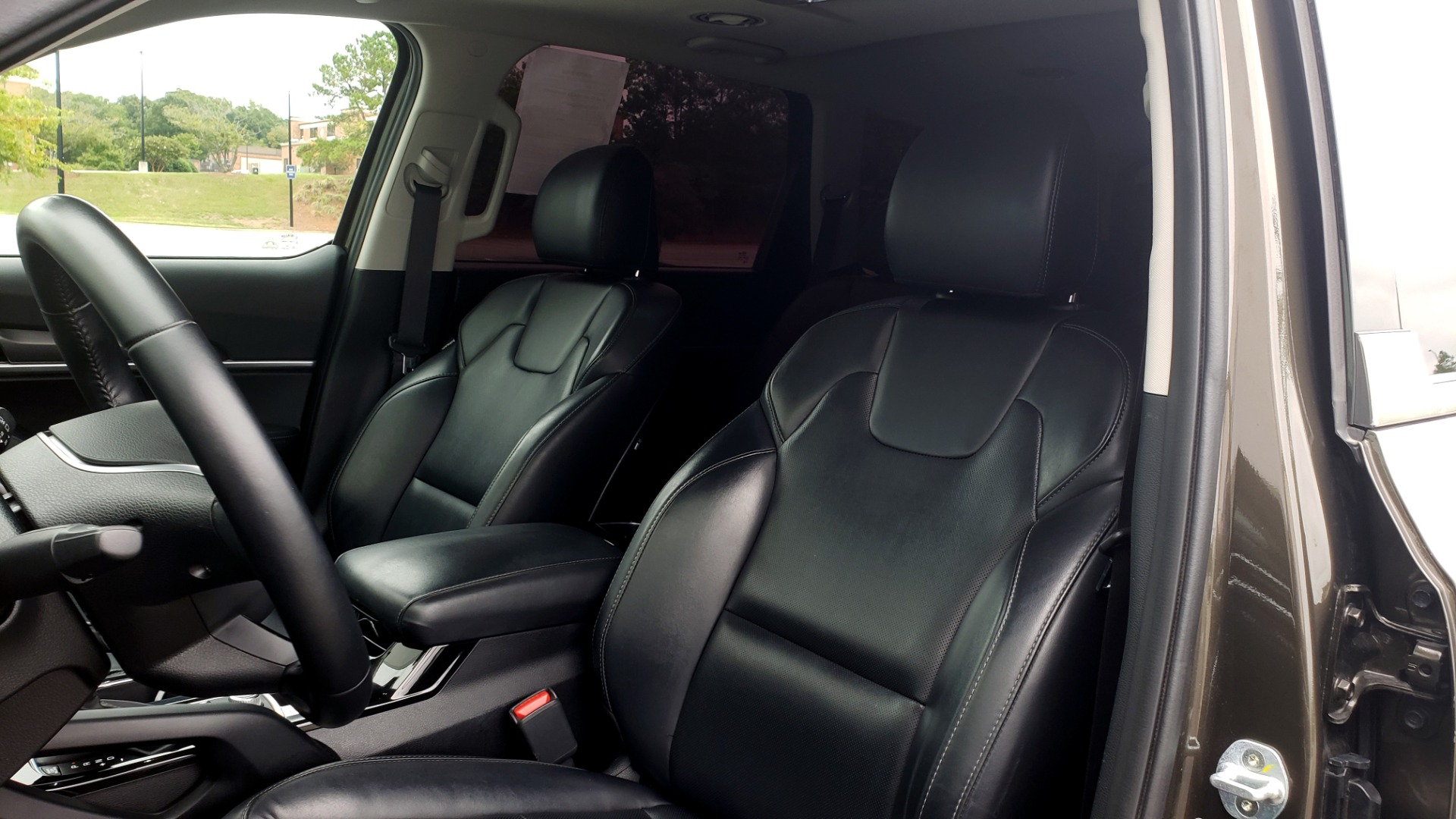 Used 2020 Kia TELLURIDE S 3.8L / FWD / 8-SPD AUTO / SUNROOF / REARVIEW / 20INCH WHEELS for sale $41,595 at Formula Imports in Charlotte NC 28227 38