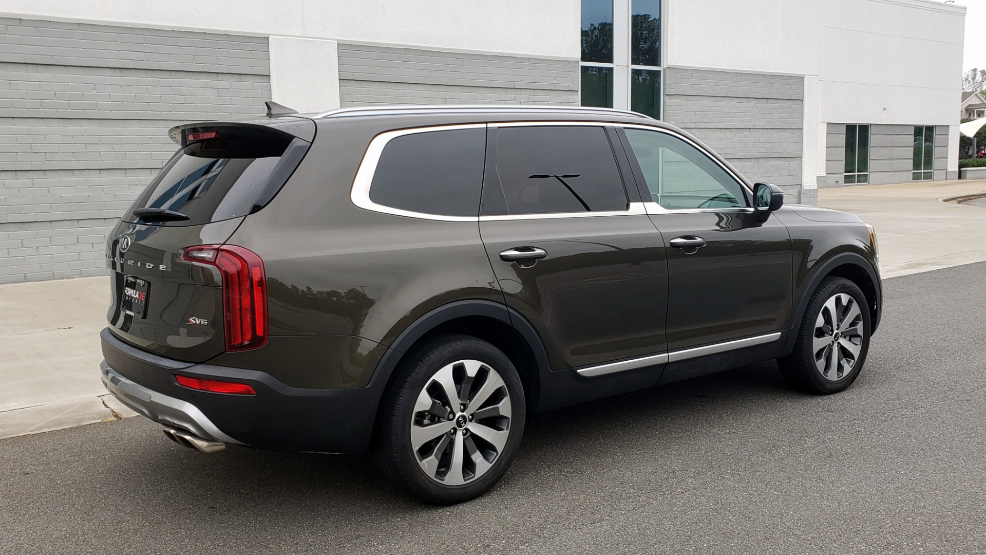 Used 2020 Kia TELLURIDE S 3.8L / FWD / 8-SPD AUTO / SUNROOF / REARVIEW / 20INCH WHEELS for sale $41,595 at Formula Imports in Charlotte NC 28227 7