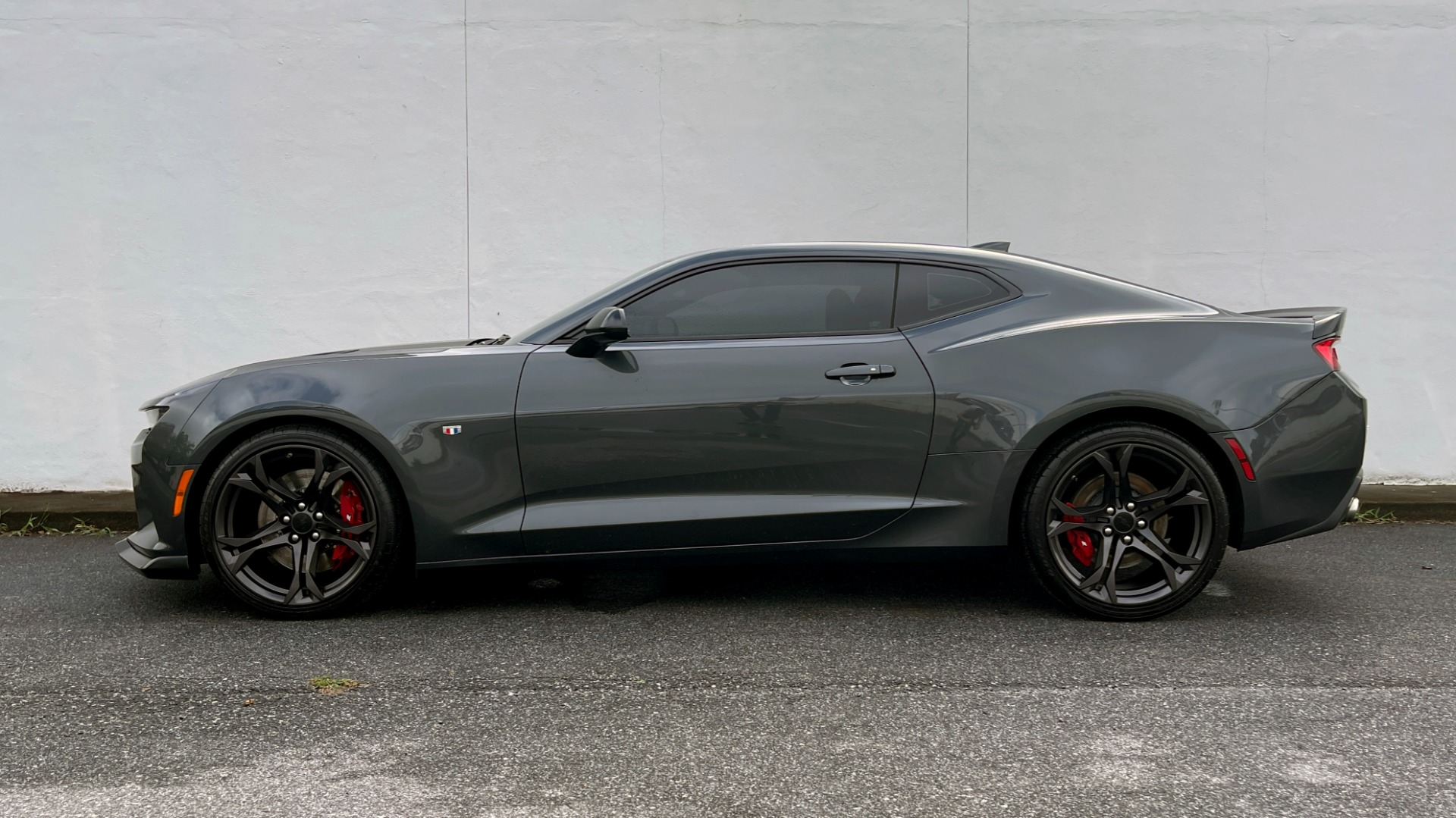 Used 2018 Chevrolet CAMARO 2SS / 6.2L V8 / MANUAL / 1LE TRACK PKG / NAV / BOSE / REARVIEW for sale $39,795 at Formula Imports in Charlotte NC 28227 3