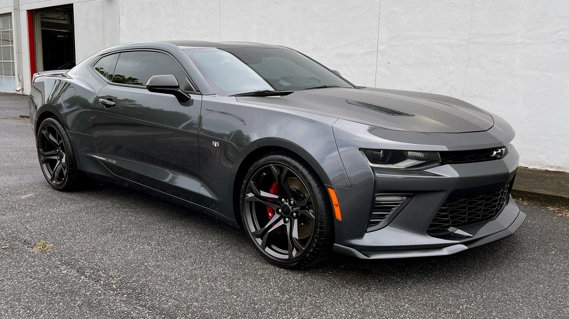 Used 2018 Chevrolet CAMARO 2SS / 6.2L V8 / MANUAL / 1LE TRACK PKG / NAV / BOSE / REARVIEW for sale $39,795 at Formula Imports in Charlotte NC 28227 6