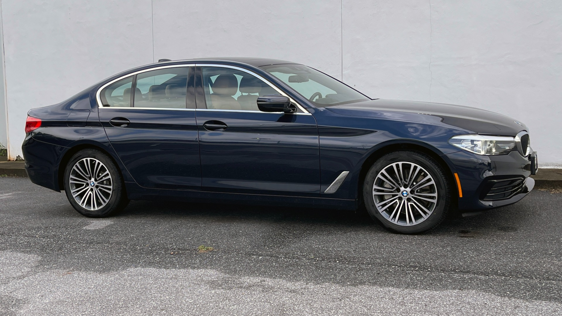Used 2019 BMW 5 SERIES 530I XDRIVE / CONV PKG / PDC / NAV / SUNROOF / HTD STS / REARIEW for sale $39,595 at Formula Imports in Charlotte NC 28227 2