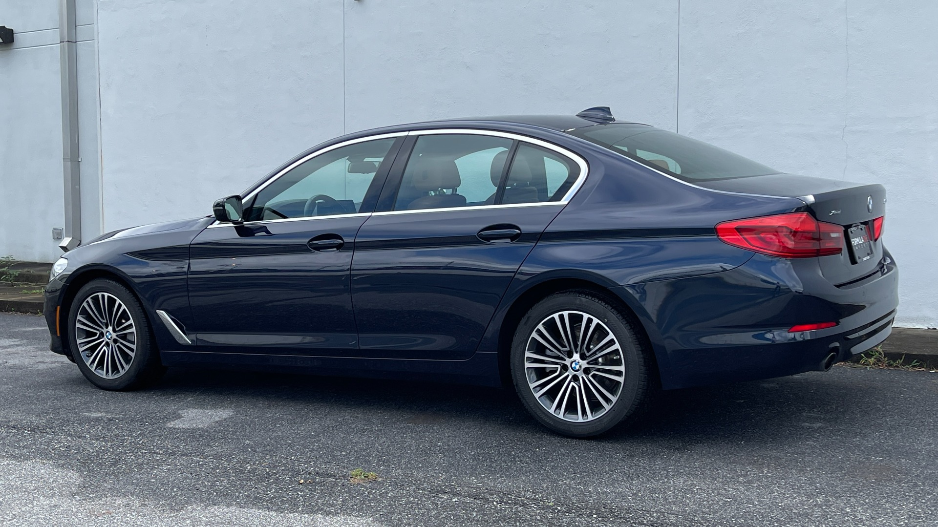 Used 2019 BMW 5 SERIES 530I XDRIVE / CONV PKG / PDC / NAV / SUNROOF / HTD STS / REARIEW for sale $39,595 at Formula Imports in Charlotte NC 28227 6