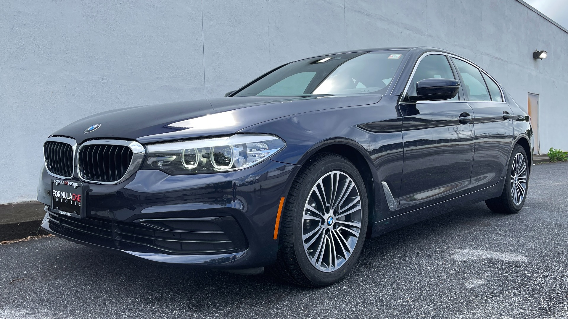 Used 2019 BMW 5 SERIES 530I XDRIVE / CONV PKG / PDC / NAV / SUNROOF / HTD STS / REARIEW for sale $39,595 at Formula Imports in Charlotte NC 28227 1