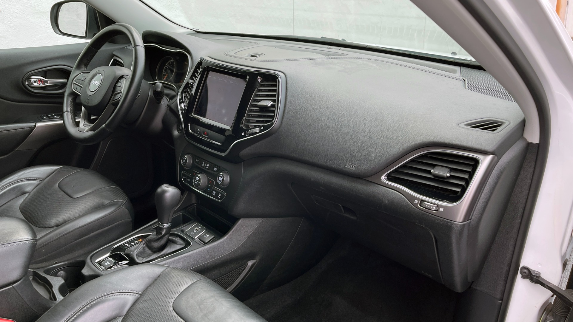 Used 2019 Jeep CHEROKEE LIMITED 2.4L / FWD / APPLE CARPLAY / KEYLESS-GO / REARVIEW for sale $24,395 at Formula Imports in Charlotte NC 28227 60