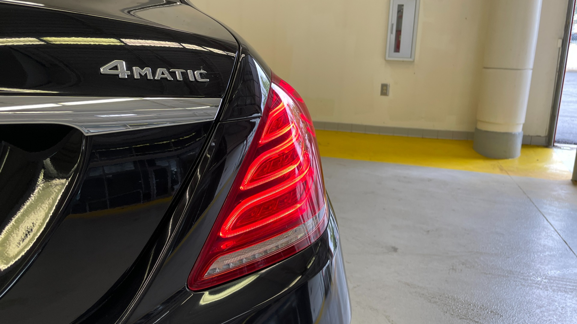 Used 2017 Mercedes-Benz S-CLASS S 550 4MATIC PREMIUM / NAV / BURMESTER / SUNROOF / REARVIEW for sale $58,995 at Formula Imports in Charlotte NC 28227 26