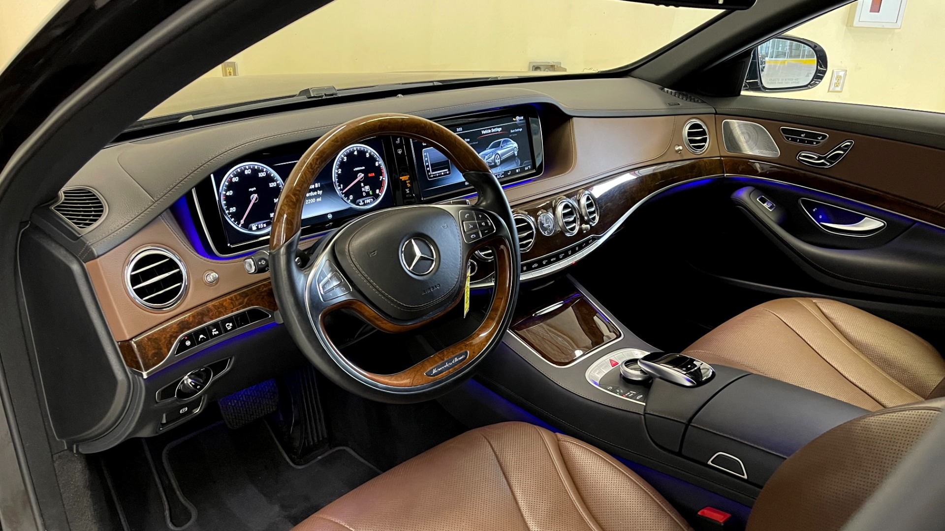 Used 2017 Mercedes-Benz S-CLASS S 550 4MATIC PREMIUM / NAV / BURMESTER / SUNROOF / REARVIEW for sale $58,995 at Formula Imports in Charlotte NC 28227 30