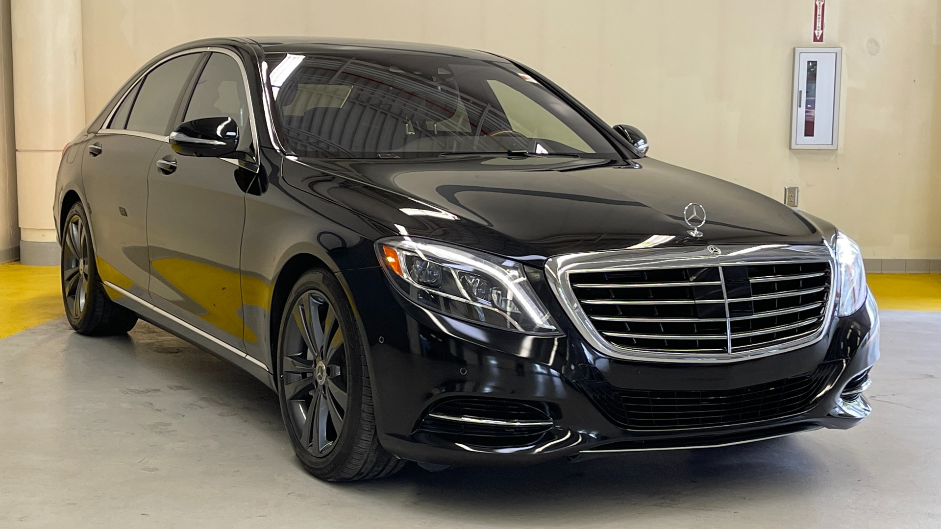 Used 2017 Mercedes-Benz S-CLASS S 550 4MATIC PREMIUM / NAV / BURMESTER / SUNROOF / REARVIEW for sale $58,995 at Formula Imports in Charlotte NC 28227 4