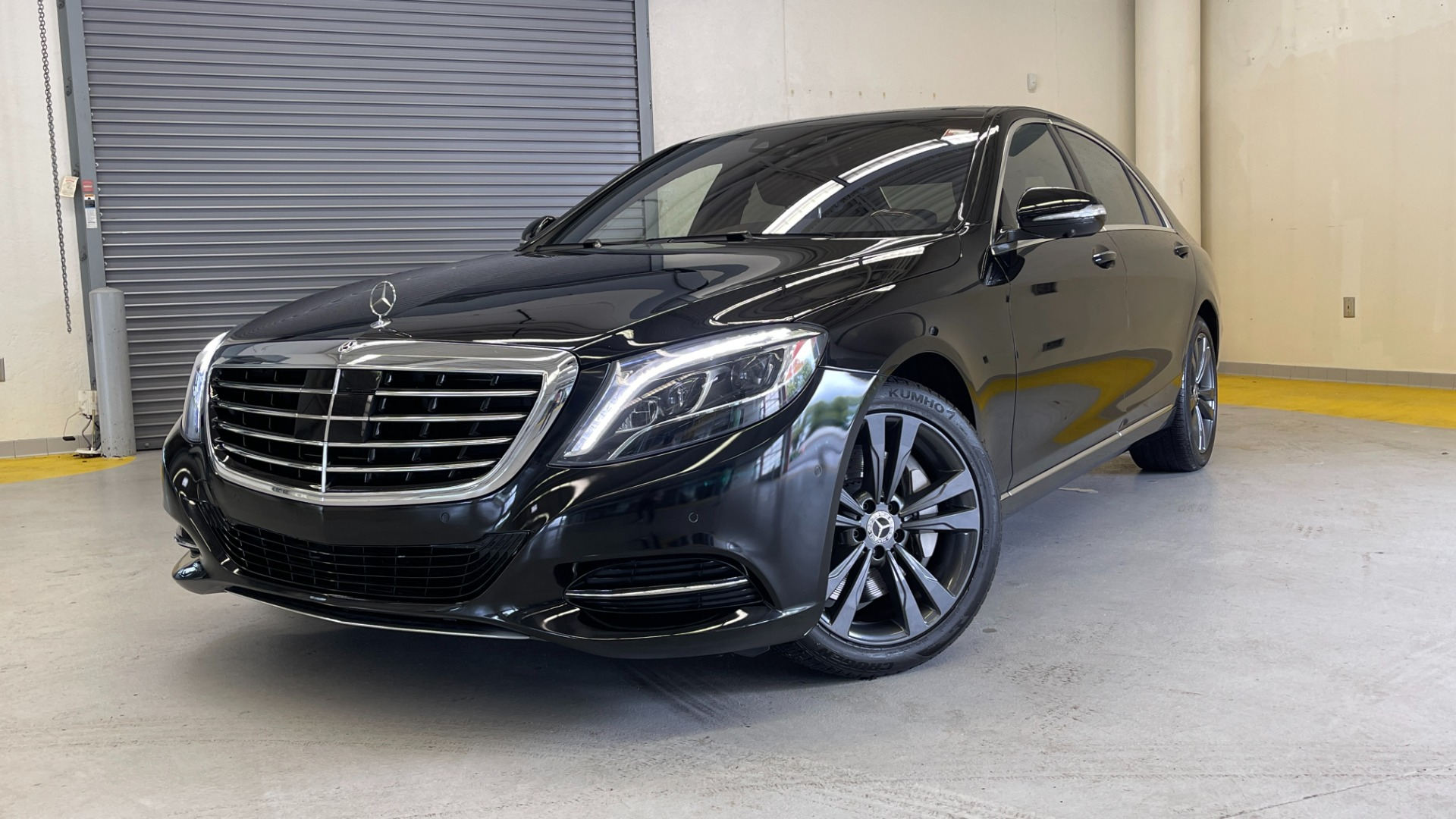 Used 2017 Mercedes-Benz S-CLASS S 550 4MATIC PREMIUM / NAV / BURMESTER / SUNROOF / REARVIEW for sale $58,995 at Formula Imports in Charlotte NC 28227 1