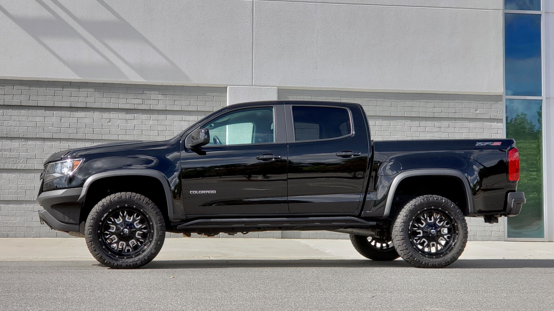 Used 2019 Chevrolet COLORADO 4WD ZR2 / 3.6L V6 / 8-SPD AUTO / CREWCAB / LEATHER / BOSE / REARVIEW for sale $41,995 at Formula Imports in Charlotte NC 28227 4