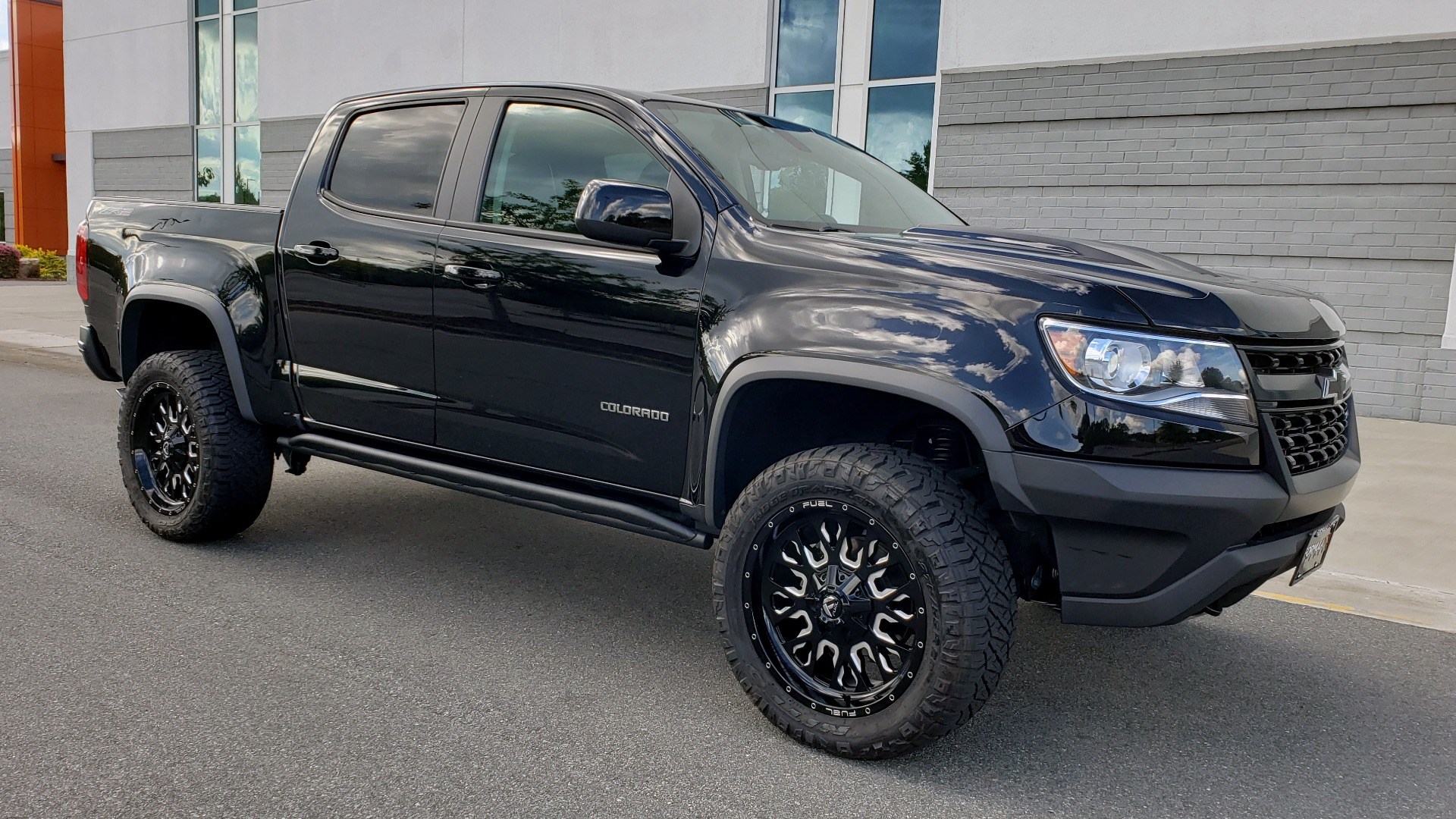 Used 2019 Chevrolet COLORADO 4WD ZR2 / 3.6L V6 / 8-SPD AUTO / CREWCAB / LEATHER / BOSE / REARVIEW for sale $41,995 at Formula Imports in Charlotte NC 28227 6
