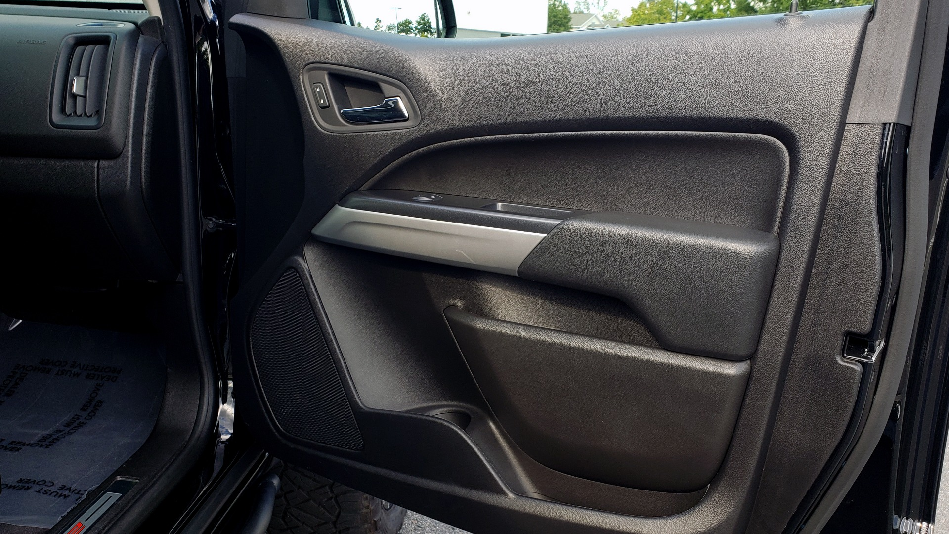Used 2019 Chevrolet COLORADO 4WD ZR2 / 3.6L V6 / 8-SPD AUTO / CREWCAB / LEATHER / BOSE / REARVIEW for sale $41,995 at Formula Imports in Charlotte NC 28227 67