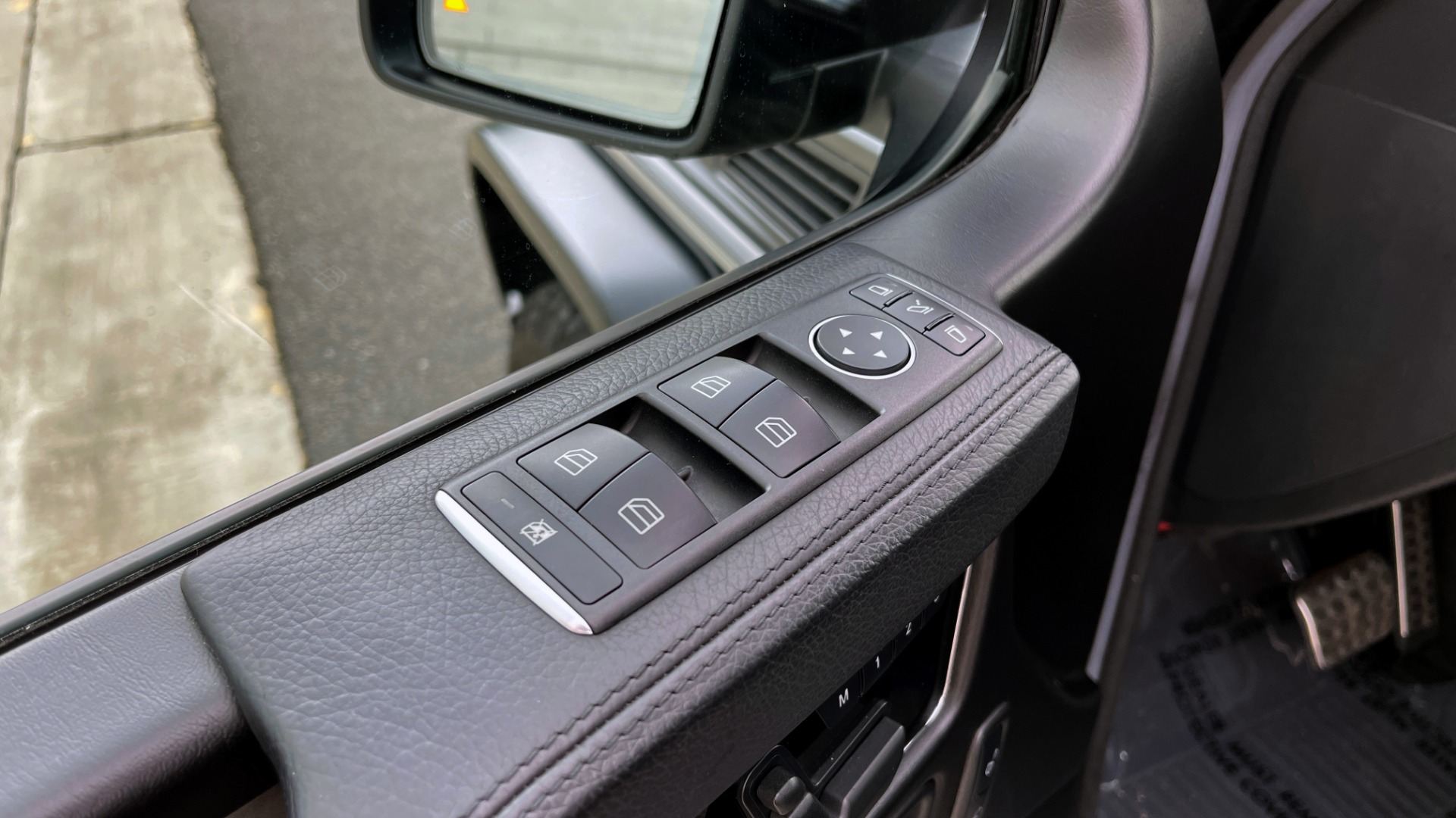 Used 2017 Mercedes-Benz G-CLASS AMG G 63 / DESIGNO PKG / NAV / SUNROOF / H/K SND / REARVIEW for sale $124,999 at Formula Imports in Charlotte NC 28227 28