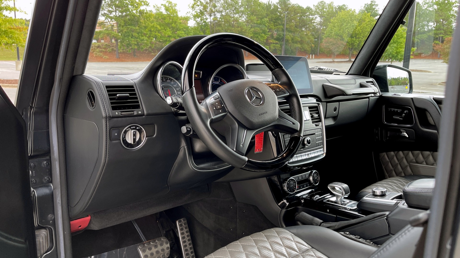 Used 2017 Mercedes-Benz G-CLASS AMG G 63 / DESIGNO PKG / NAV / SUNROOF / H/K SND / REARVIEW for sale $124,999 at Formula Imports in Charlotte NC 28227 29