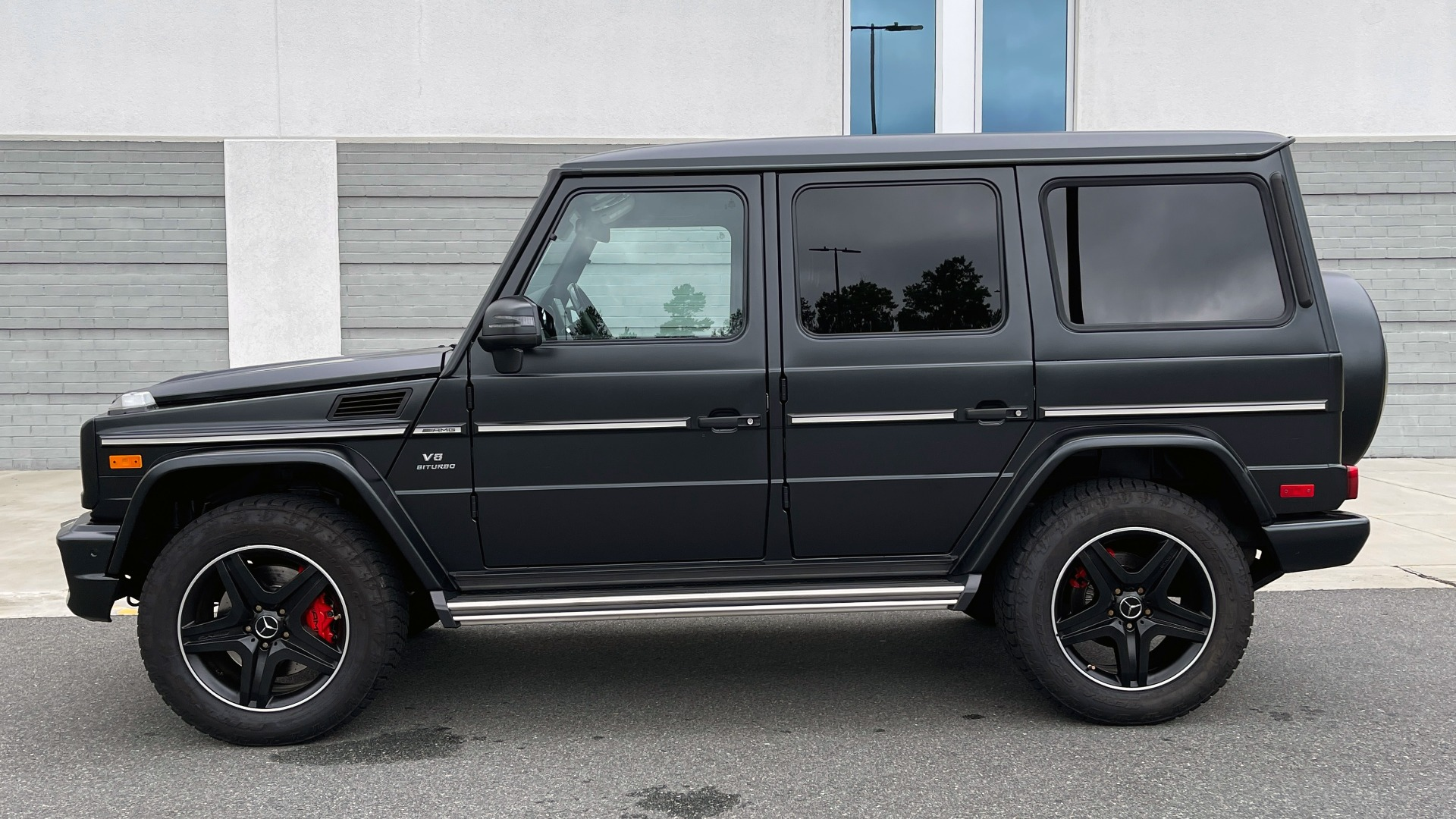 Used 2017 Mercedes-Benz G-CLASS AMG G 63 / DESIGNO PKG / NAV / SUNROOF / H/K SND / REARVIEW for sale $124,999 at Formula Imports in Charlotte NC 28227 3