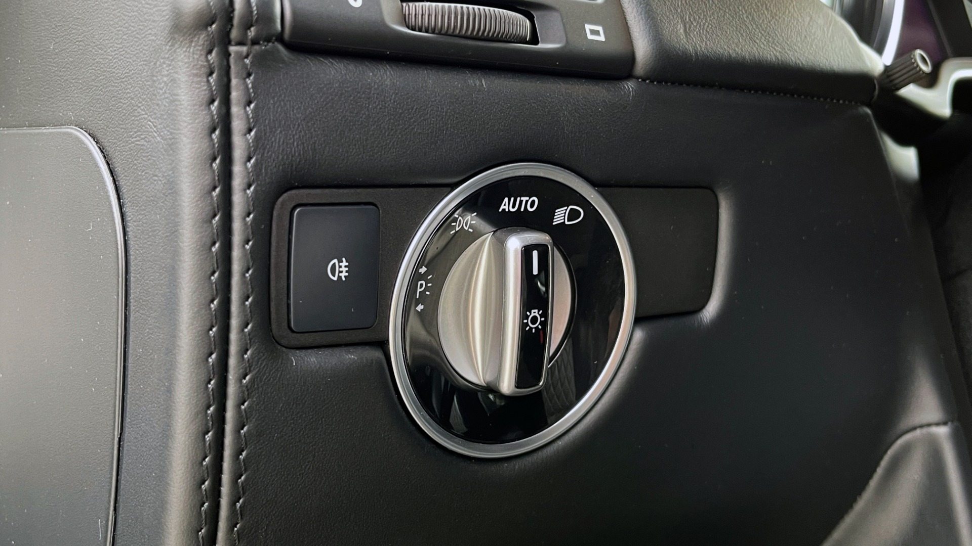 Used 2017 Mercedes-Benz G-CLASS AMG G 63 / DESIGNO PKG / NAV / SUNROOF / H/K SND / REARVIEW for sale $124,999 at Formula Imports in Charlotte NC 28227 32