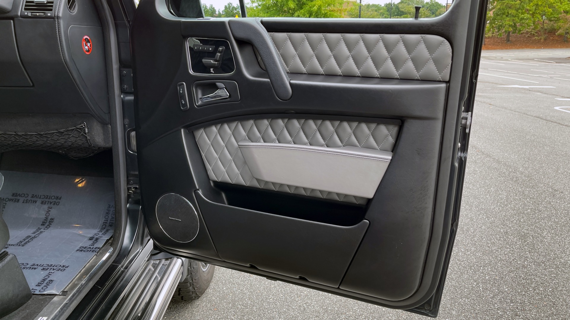 Used 2017 Mercedes-Benz G-CLASS AMG G 63 / DESIGNO PKG / NAV / SUNROOF / H/K SND / REARVIEW for sale $124,999 at Formula Imports in Charlotte NC 28227 55