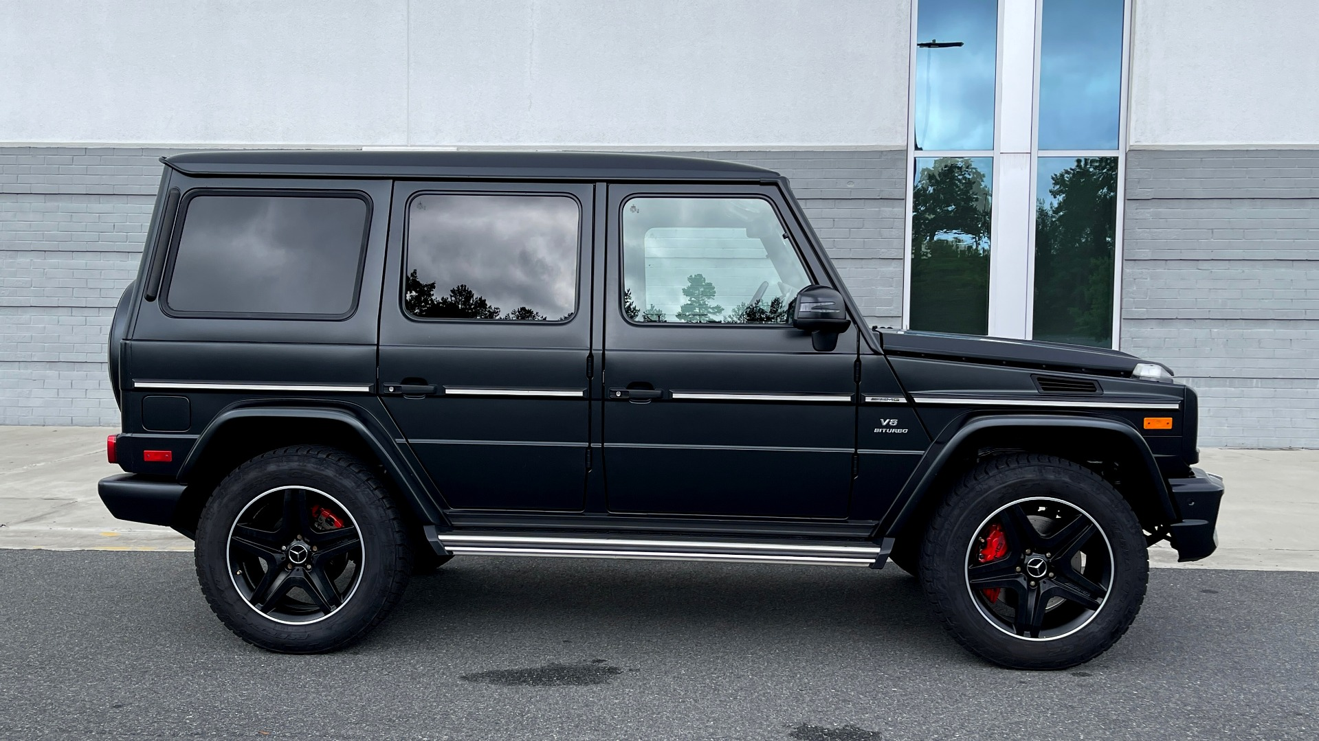 Used 2017 Mercedes-Benz G-CLASS AMG G 63 / DESIGNO PKG / NAV / SUNROOF / H/K SND / REARVIEW for sale $124,999 at Formula Imports in Charlotte NC 28227 8