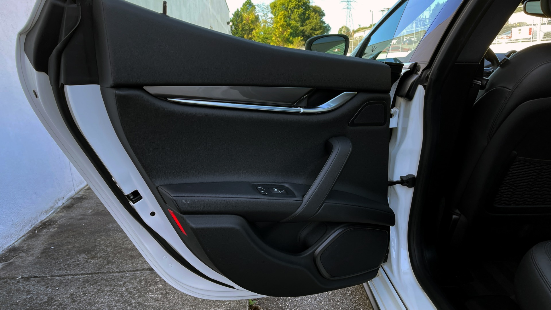 Used 2018 Maserati GHIBLI SEDAN / RWD / 3.0L V6 / SUNROOF / NAV / REARVIEW for sale $42,995 at Formula Imports in Charlotte NC 28227 50