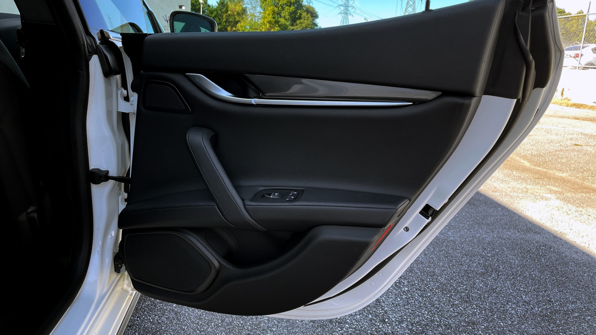 Used 2018 Maserati GHIBLI SEDAN / RWD / 3.0L V6 / SUNROOF / NAV / REARVIEW for sale $42,995 at Formula Imports in Charlotte NC 28227 53