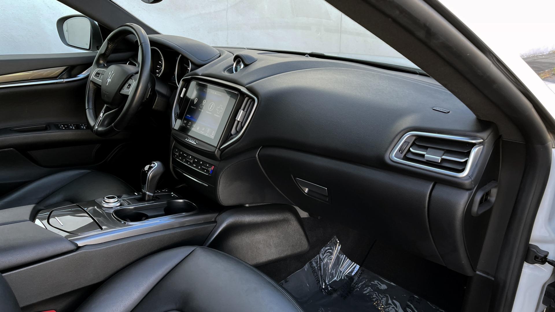 Used 2018 Maserati GHIBLI SEDAN / RWD / 3.0L V6 / SUNROOF / NAV / REARVIEW for sale $42,995 at Formula Imports in Charlotte NC 28227 57