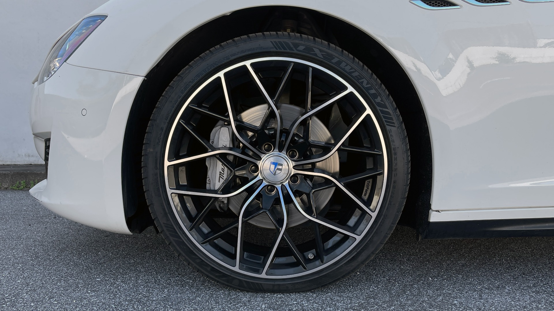 Used 2018 Maserati GHIBLI SEDAN / RWD / 3.0L V6 / SUNROOF / NAV / REARVIEW for sale $42,995 at Formula Imports in Charlotte NC 28227 61