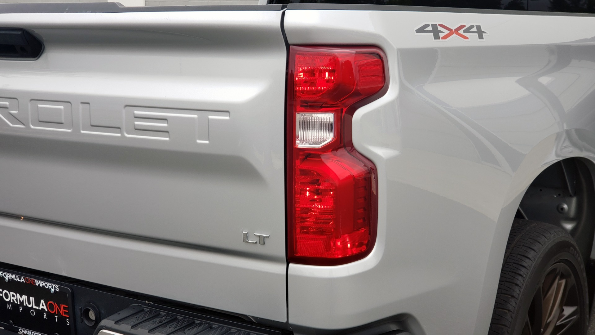 Used 2020 Chevrolet SILVERADO 1500 LT 4WD DOUBLECAB 147 WB / 5.3L V8 / BEDLINER / REARVIEW for sale $41,995 at Formula Imports in Charlotte NC 28227 28