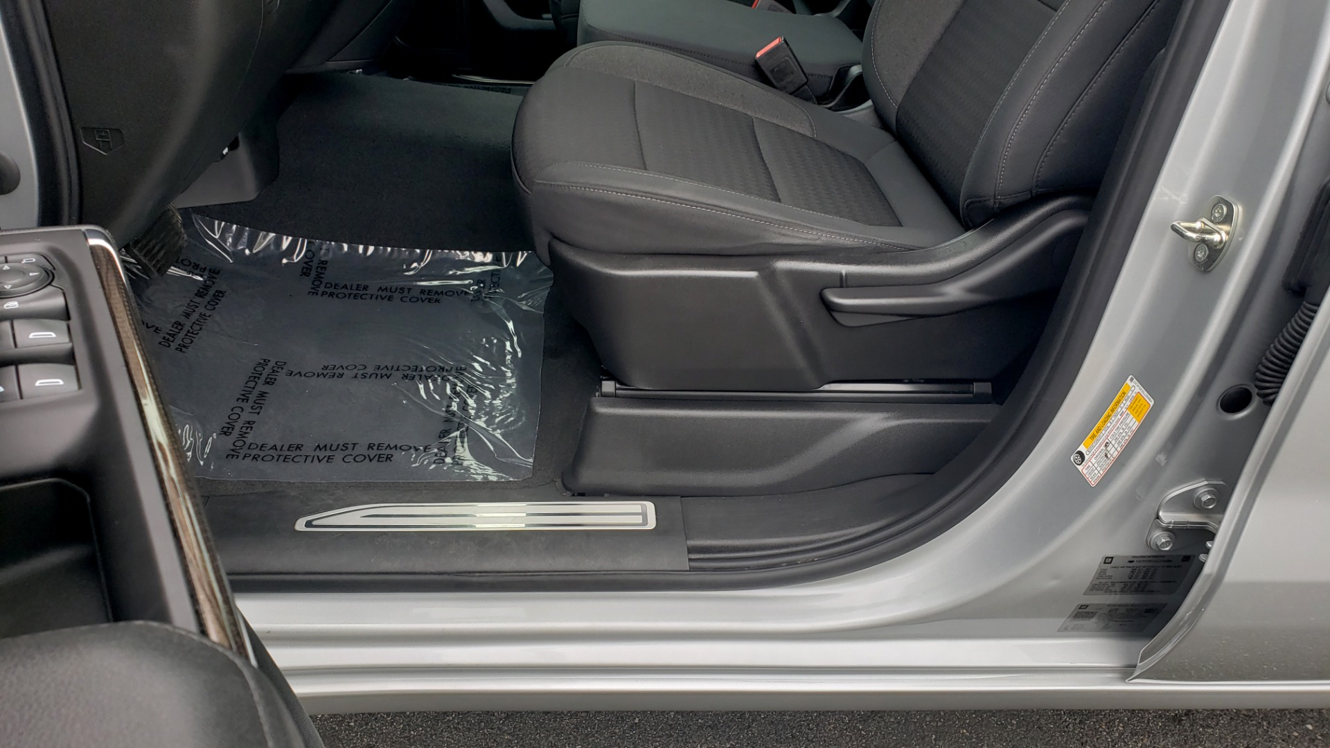 Used 2020 Chevrolet SILVERADO 1500 LT 4WD DOUBLECAB 147 WB / 5.3L V8 / BEDLINER / REARVIEW for sale $41,995 at Formula Imports in Charlotte NC 28227 35