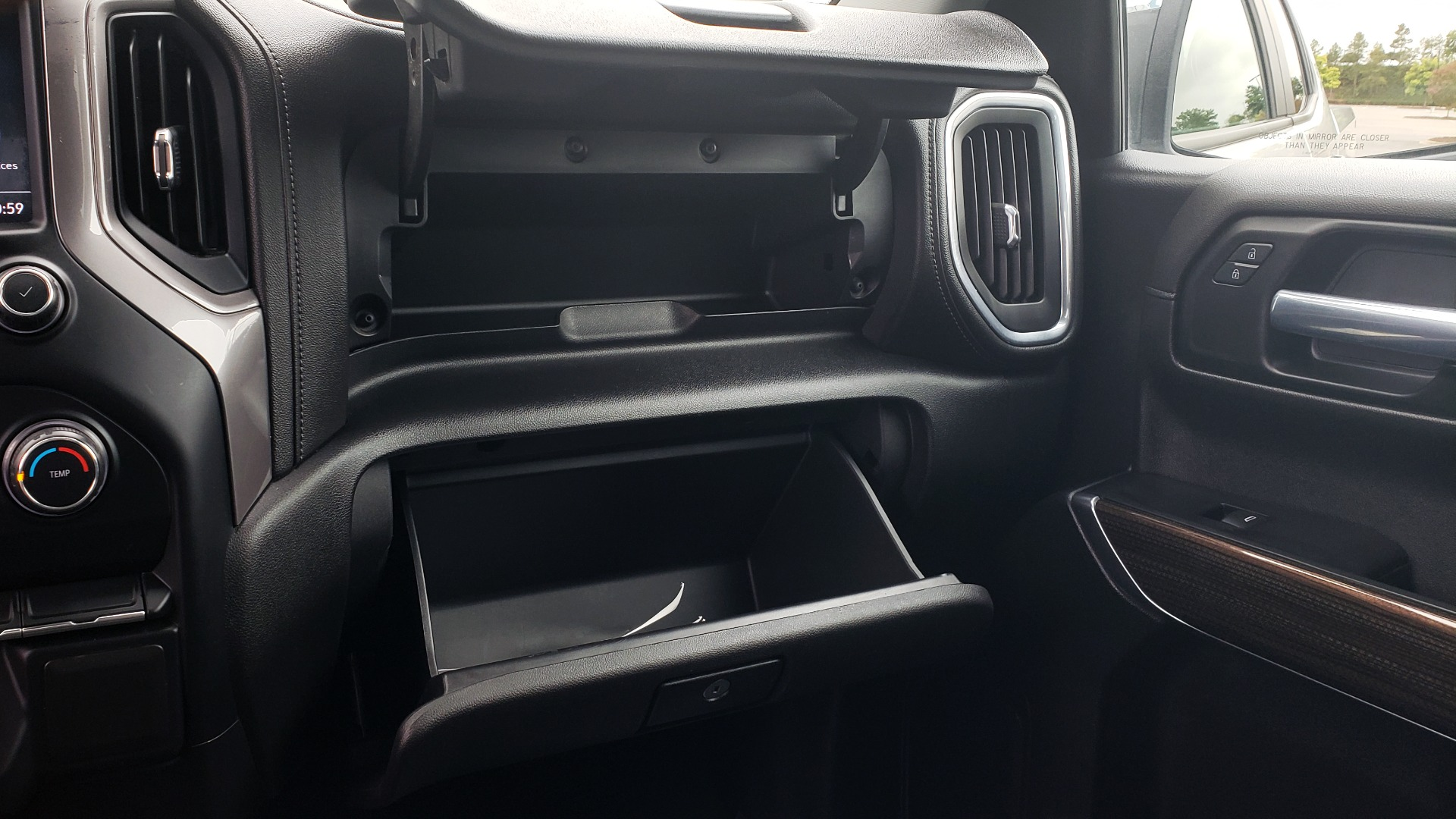 Used 2020 Chevrolet SILVERADO 1500 LT 4WD DOUBLECAB 147 WB / 5.3L V8 / BEDLINER / REARVIEW for sale $41,995 at Formula Imports in Charlotte NC 28227 47