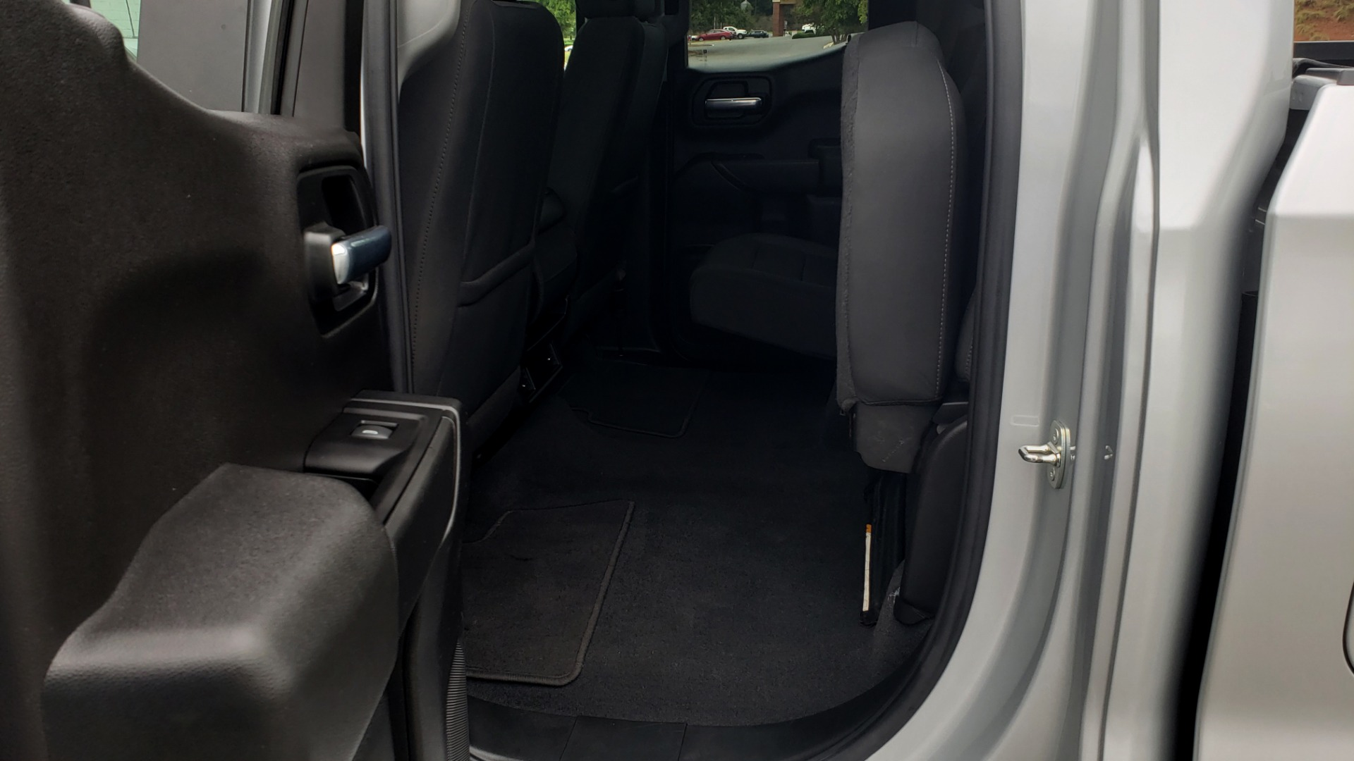 Used 2020 Chevrolet SILVERADO 1500 LT 4WD DOUBLECAB 147 WB / 5.3L V8 / BEDLINER / REARVIEW for sale $41,995 at Formula Imports in Charlotte NC 28227 56