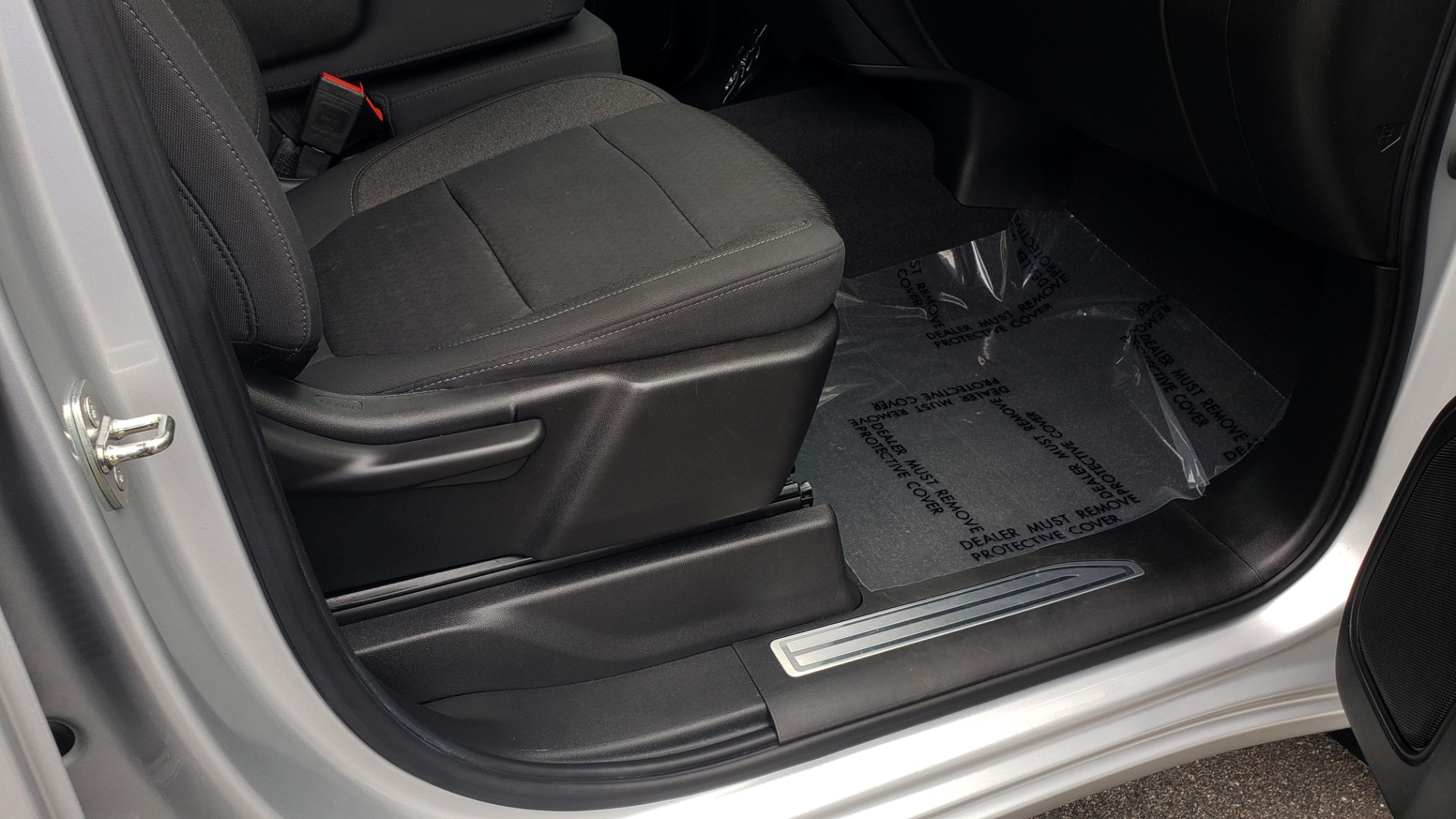 Used 2020 Chevrolet SILVERADO 1500 LT 4WD DOUBLECAB 147 WB / 5.3L V8 / BEDLINER / REARVIEW for sale $41,995 at Formula Imports in Charlotte NC 28227 59