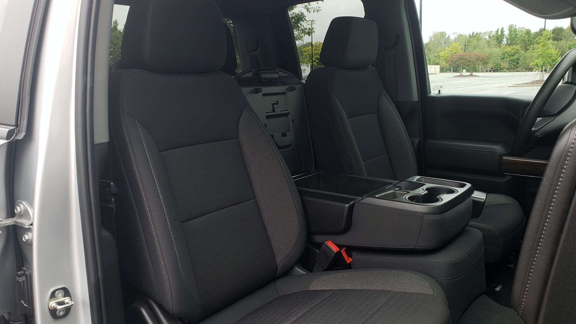Used 2020 Chevrolet SILVERADO 1500 LT 4WD DOUBLECAB 147 WB / 5.3L V8 / BEDLINER / REARVIEW for sale $41,995 at Formula Imports in Charlotte NC 28227 60