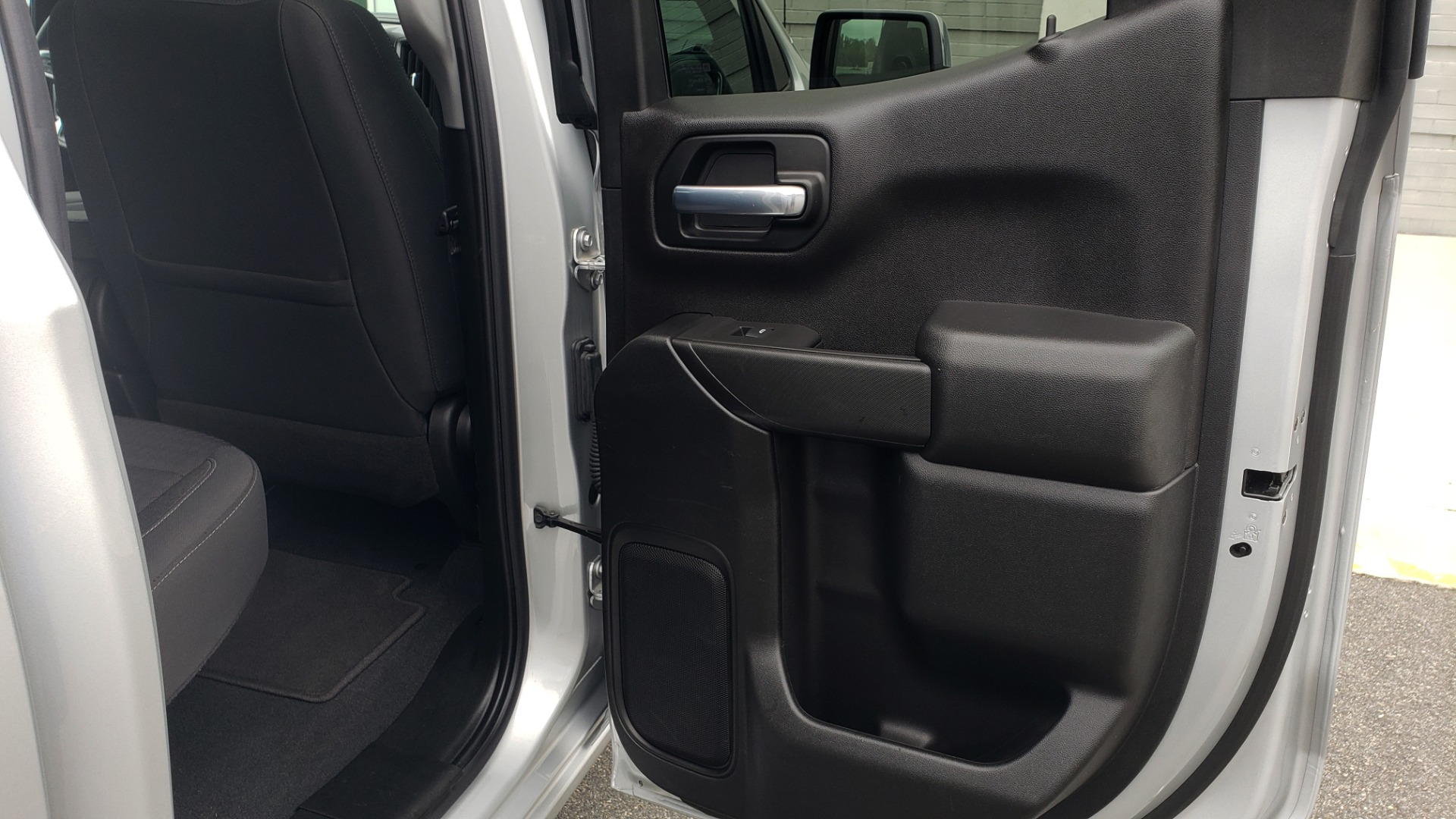Used 2020 Chevrolet SILVERADO 1500 LT 4WD DOUBLECAB 147 WB / 5.3L V8 / BEDLINER / REARVIEW for sale $41,995 at Formula Imports in Charlotte NC 28227 62