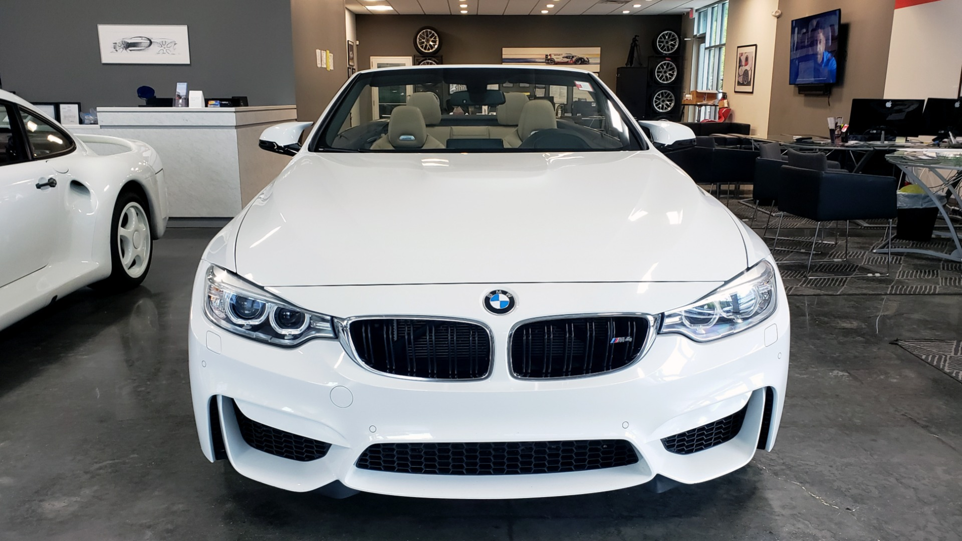 Used 2016 BMW M4 CONVERTIBLE 3.0L / 7-SPD AUTO / EXECUTIVE / ADAPT M SUSP / REARVIEW for sale $53,999 at Formula Imports in Charlotte NC 28227 11