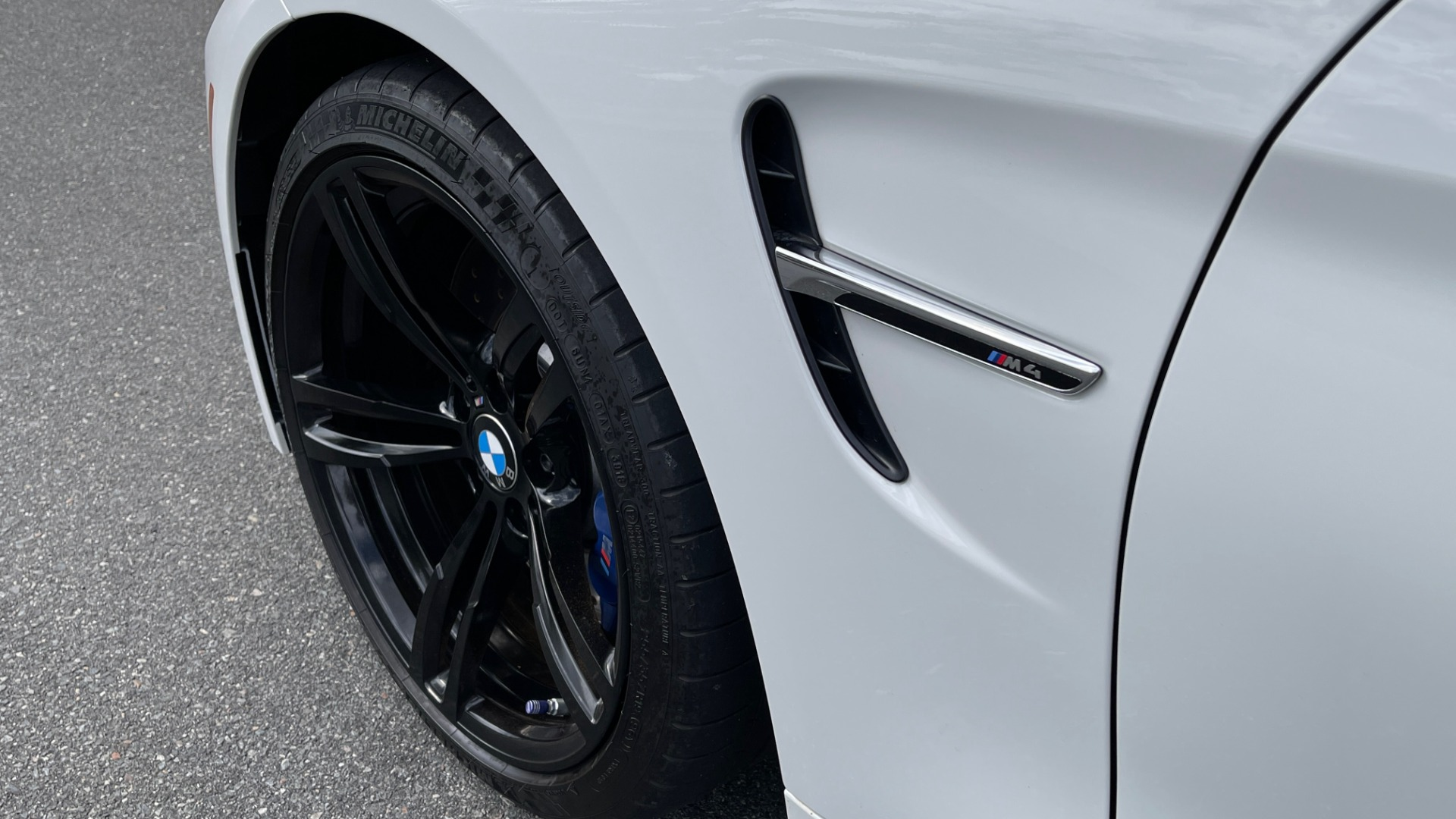 Used 2016 BMW M4 CONVERTIBLE 3.0L / 7-SPD AUTO / EXECUTIVE / ADAPT M SUSP / REARVIEW for sale $53,999 at Formula Imports in Charlotte NC 28227 19