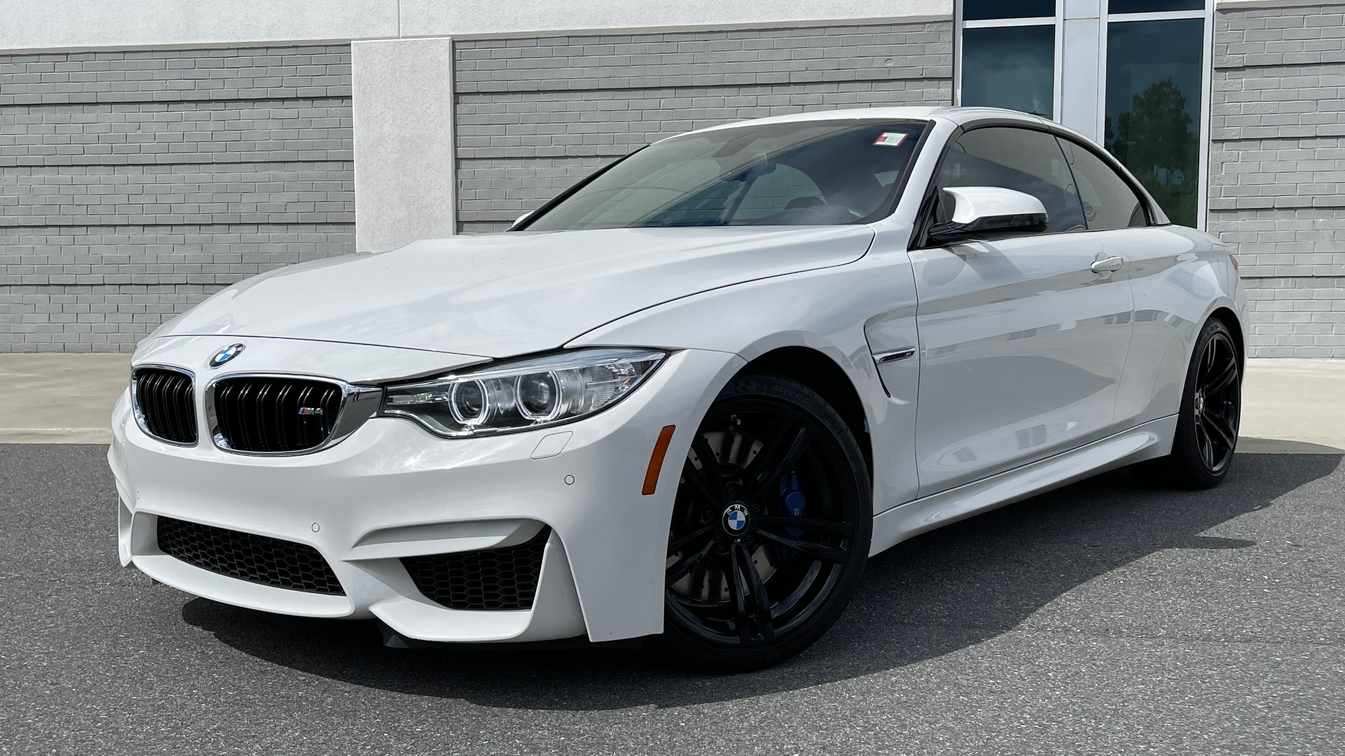 Used 2016 BMW M4 CONVERTIBLE 3.0L / 7-SPD AUTO / EXECUTIVE / ADAPT M SUSP / REARVIEW for sale $53,999 at Formula Imports in Charlotte NC 28227 20