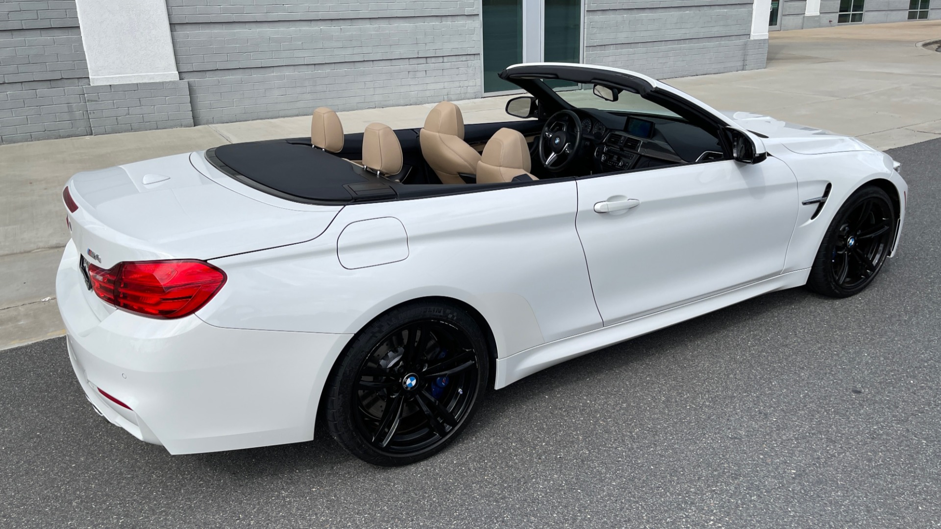 Used 2016 BMW M4 CONVERTIBLE 3.0L / 7-SPD AUTO / EXECUTIVE / ADAPT M SUSP / REARVIEW for sale $53,999 at Formula Imports in Charlotte NC 28227 3