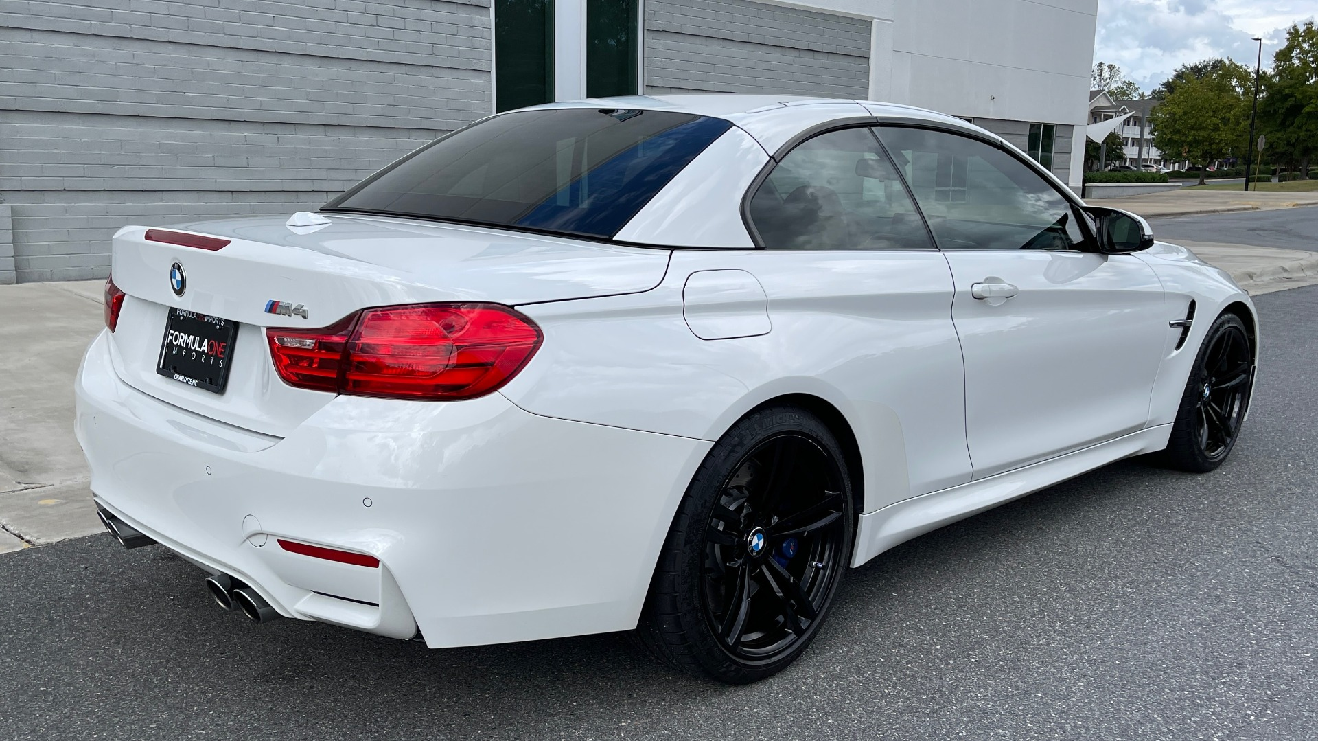 Used 2016 BMW M4 CONVERTIBLE 3.0L / 7-SPD AUTO / EXECUTIVE / ADAPT M SUSP / REARVIEW for sale $53,999 at Formula Imports in Charlotte NC 28227 37