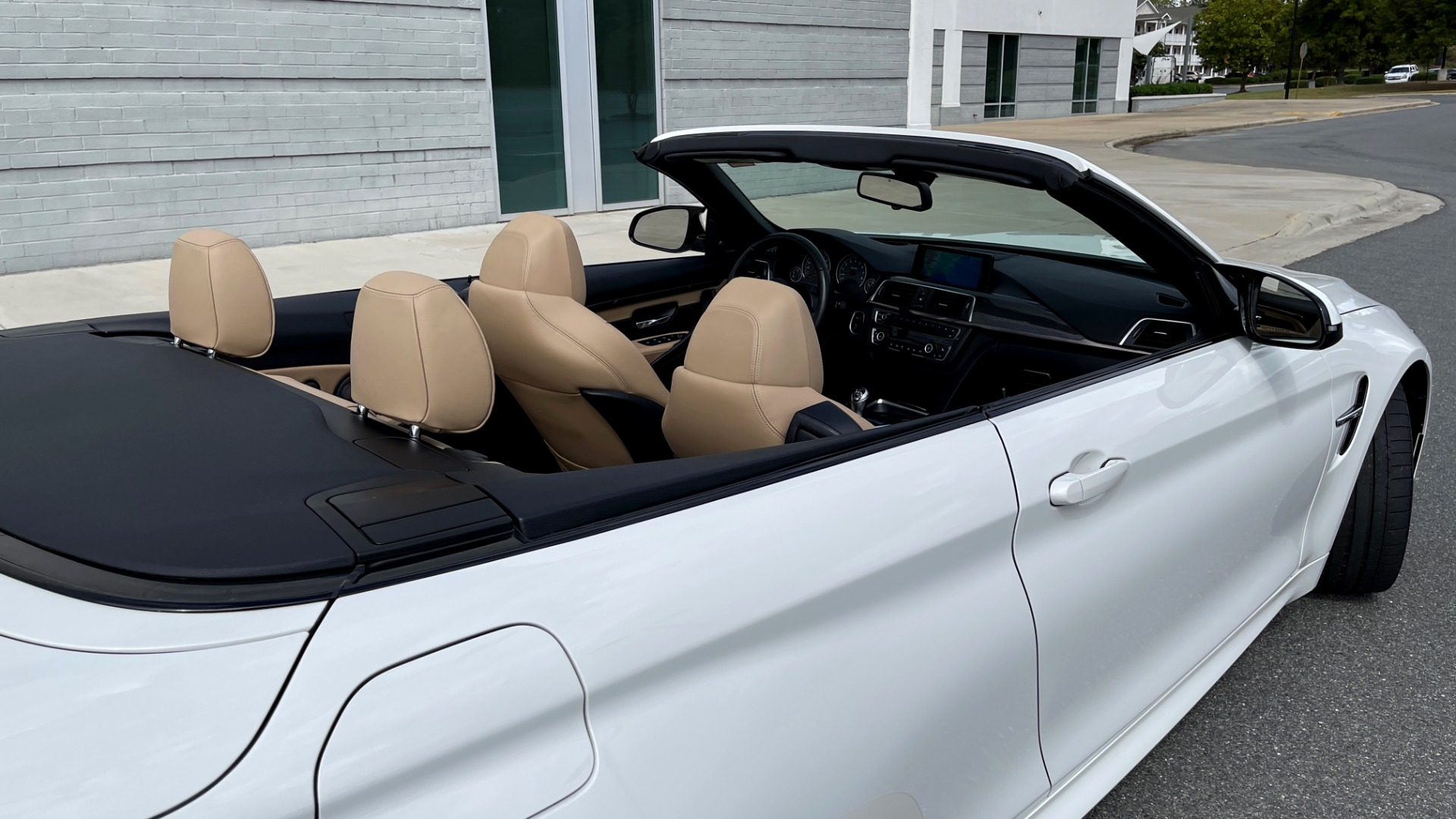Used 2016 BMW M4 CONVERTIBLE 3.0L / 7-SPD AUTO / EXECUTIVE / ADAPT M SUSP / REARVIEW for sale $53,999 at Formula Imports in Charlotte NC 28227 75