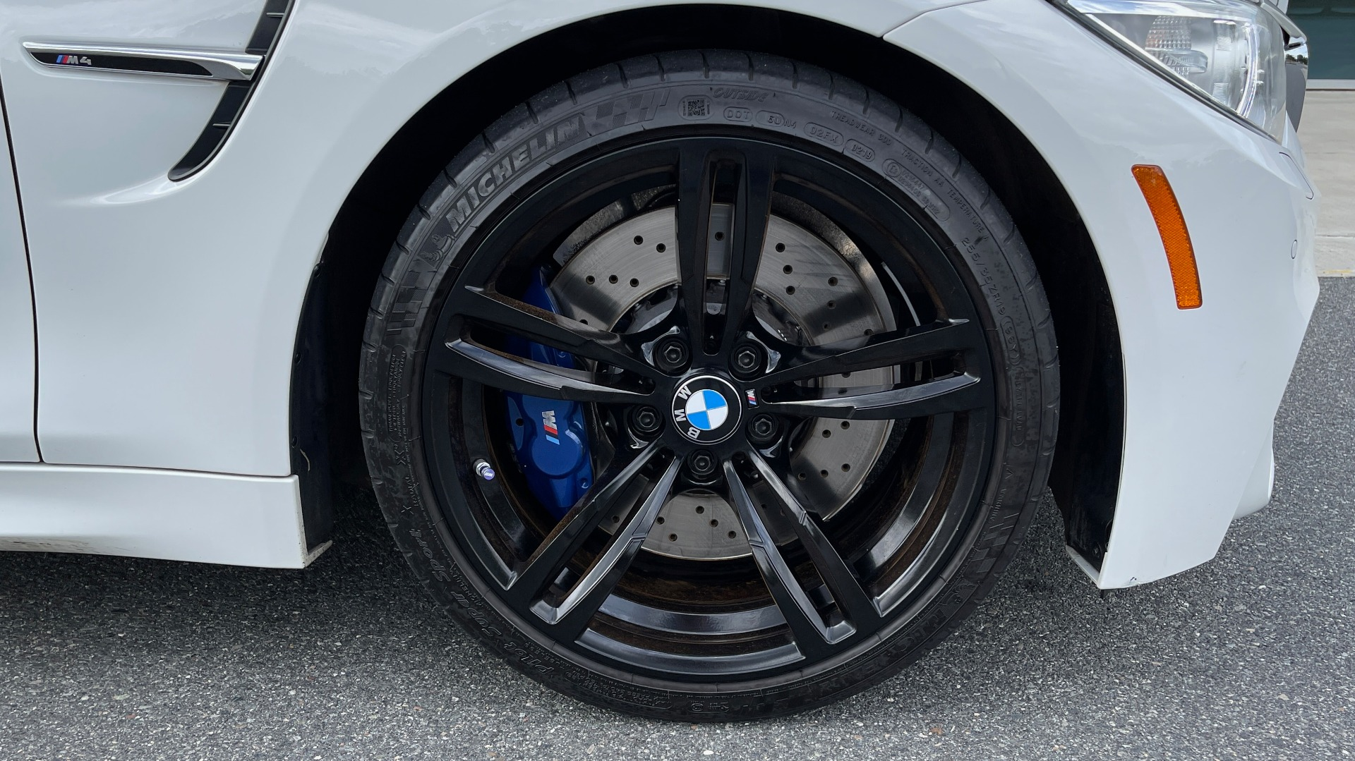 Used 2016 BMW M4 CONVERTIBLE 3.0L / 7-SPD AUTO / EXECUTIVE / ADAPT M SUSP / REARVIEW for sale $53,999 at Formula Imports in Charlotte NC 28227 79