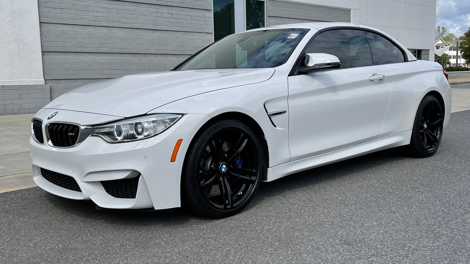 Used 2016 BMW M4 CONVERTIBLE 3.0L / 7-SPD AUTO / EXECUTIVE / ADAPT M SUSP / REARVIEW for sale $53,999 at Formula Imports in Charlotte NC 28227 8