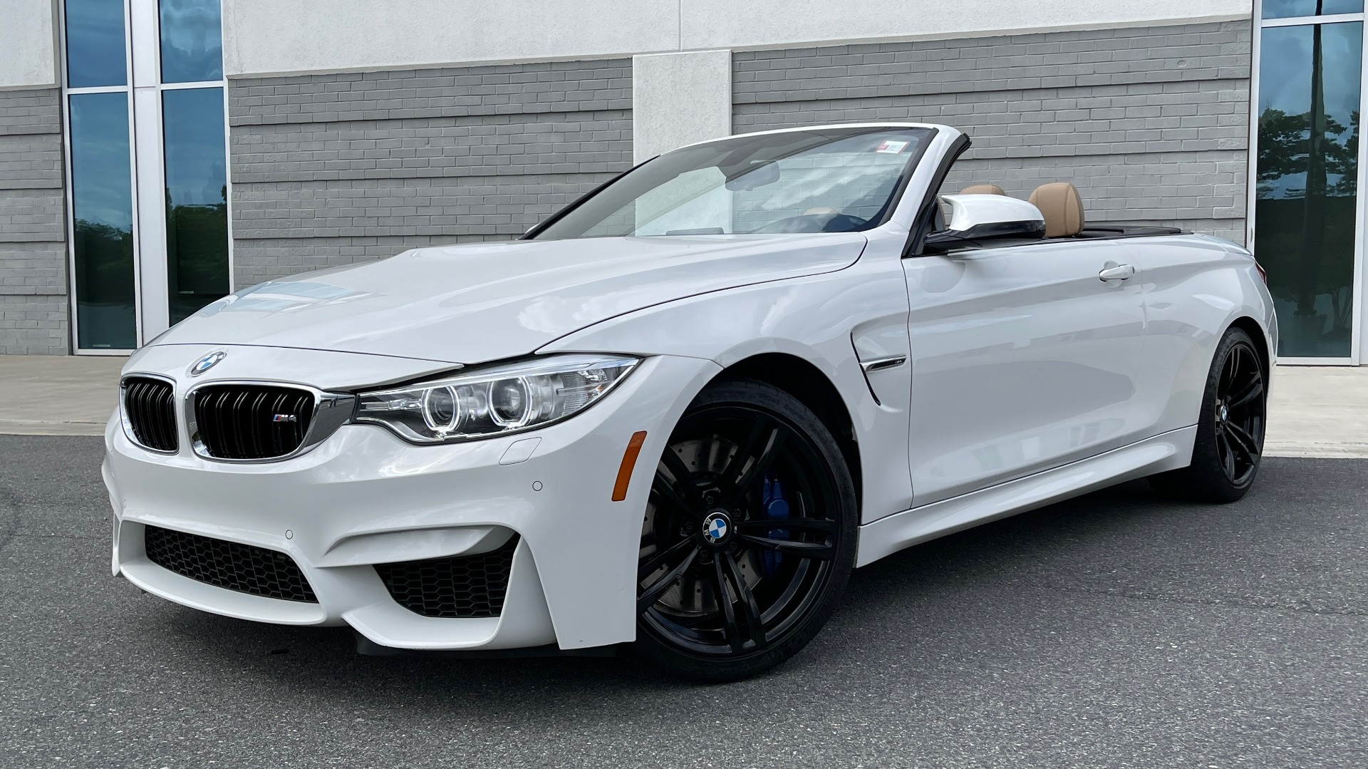 Used 2016 BMW M4 CONVERTIBLE 3.0L / 7-SPD AUTO / EXECUTIVE / ADAPT M SUSP / REARVIEW for sale $53,999 at Formula Imports in Charlotte NC 28227 1
