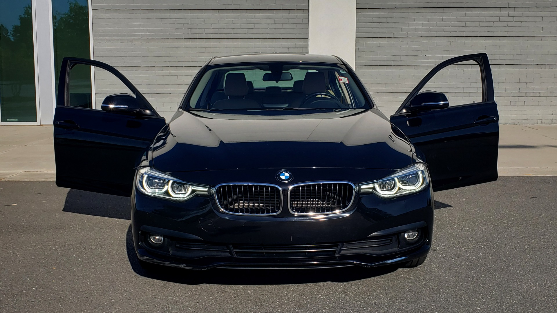 Used 2018 BMW 3 SERIES 320IXDRIVE 2.0L SEDAN / HEATED SEATS / REARVIEW for sale $26,795 at Formula Imports in Charlotte NC 28227 18