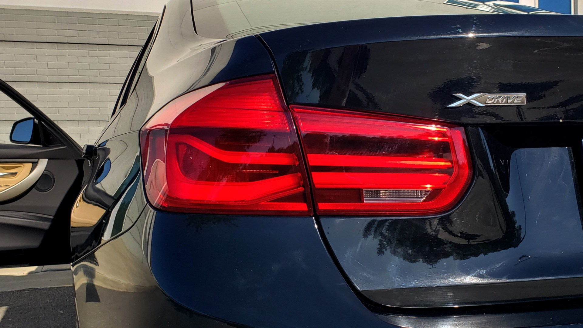 Used 2018 BMW 3 SERIES 320IXDRIVE 2.0L SEDAN / HEATED SEATS / REARVIEW for sale $26,795 at Formula Imports in Charlotte NC 28227 25