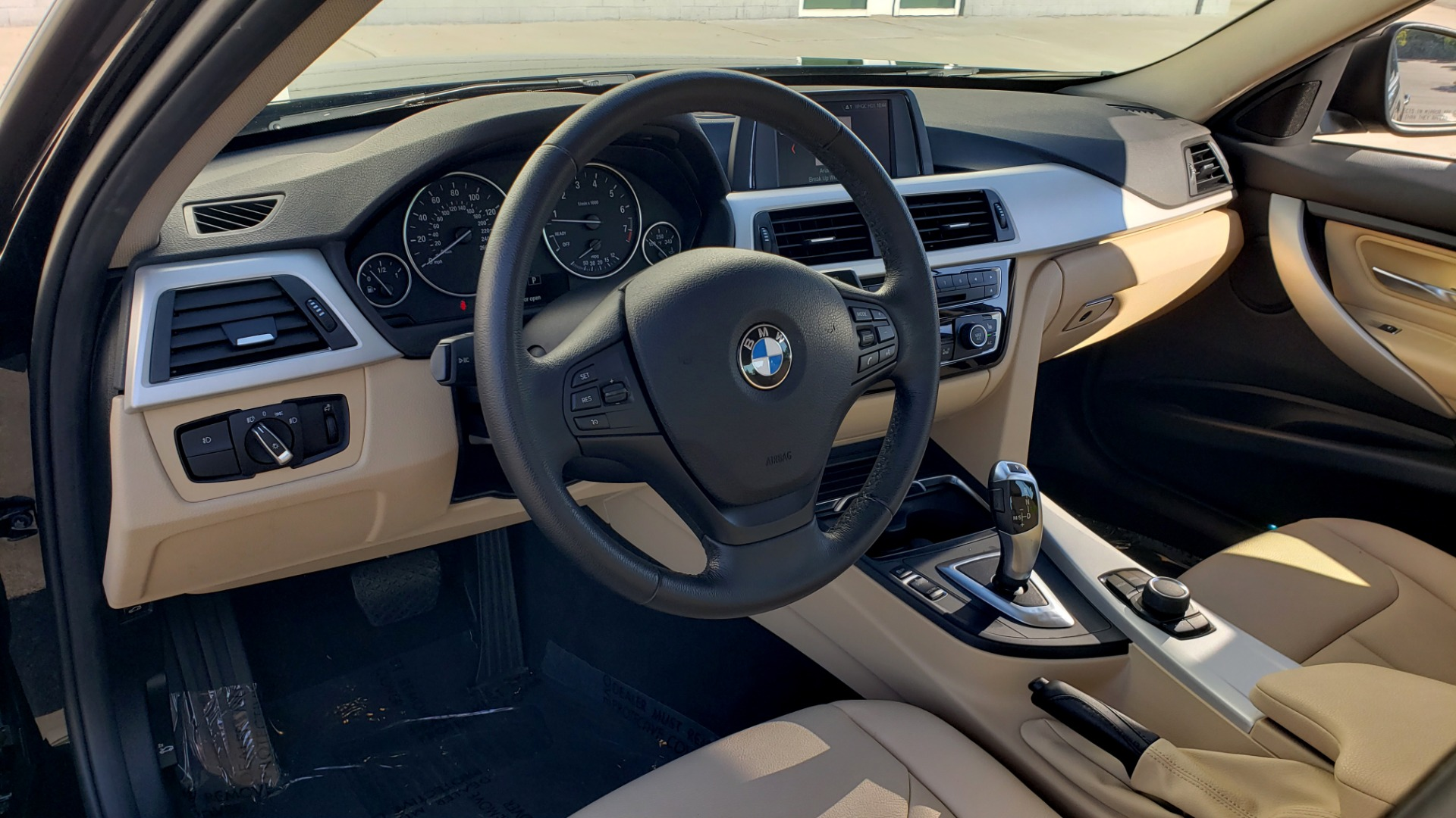 Used 2018 BMW 3 SERIES 320IXDRIVE 2.0L SEDAN / HEATED SEATS / REARVIEW for sale $26,795 at Formula Imports in Charlotte NC 28227 32