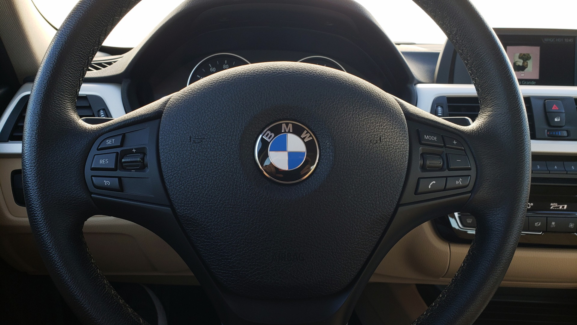Used 2018 BMW 3 SERIES 320IXDRIVE 2.0L SEDAN / HEATED SEATS / REARVIEW for sale $26,795 at Formula Imports in Charlotte NC 28227 35